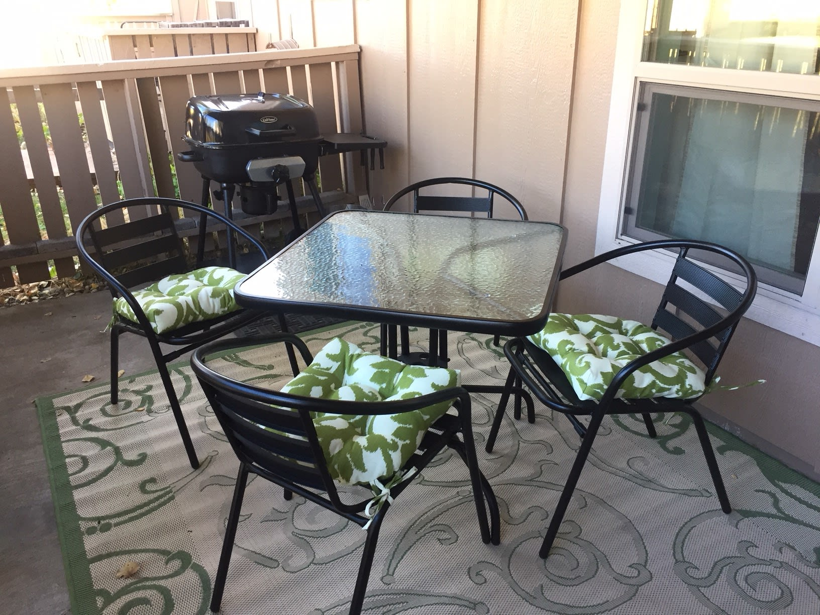Bring your meal outside for an al fresco experience.
