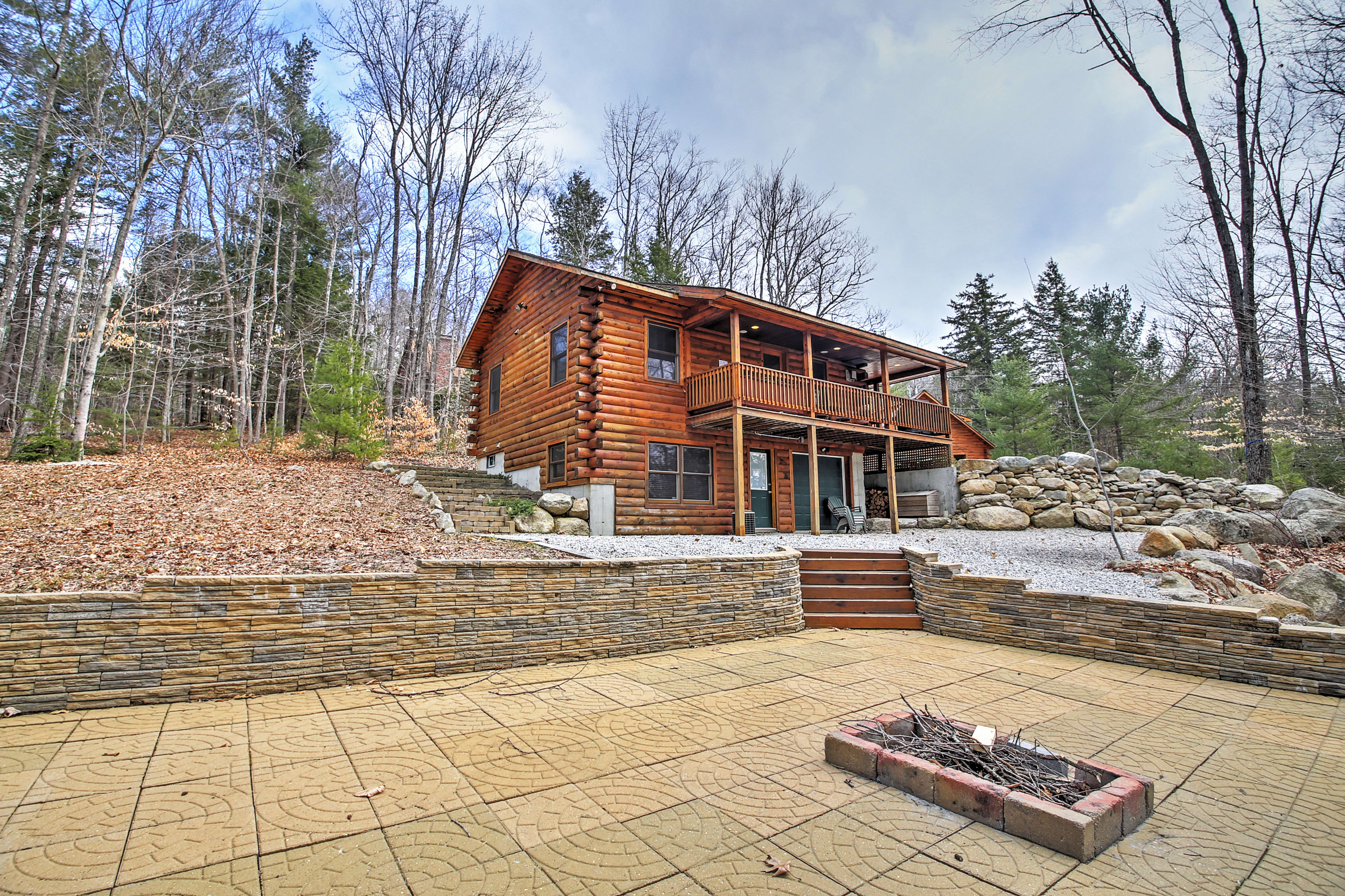 A rejuvenating mountain retreat awaits you at this splendid vacation rental log cabin in North Conway!