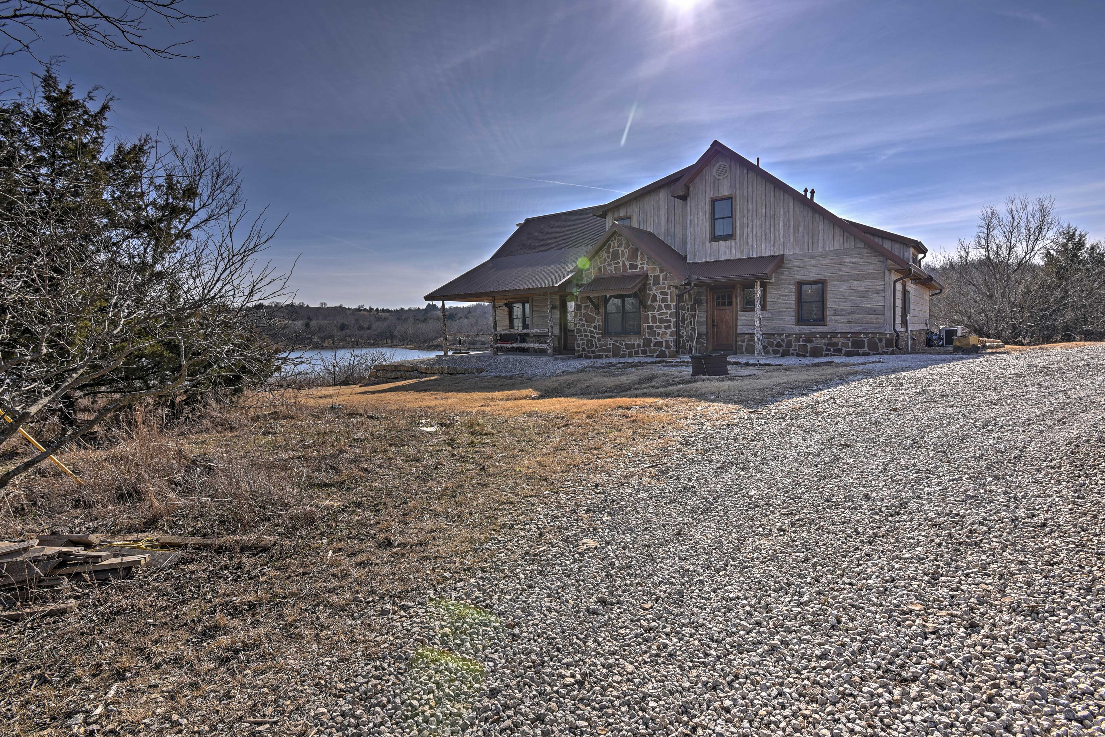Your crew of up to 10 will love every minute at this remote cabin!
