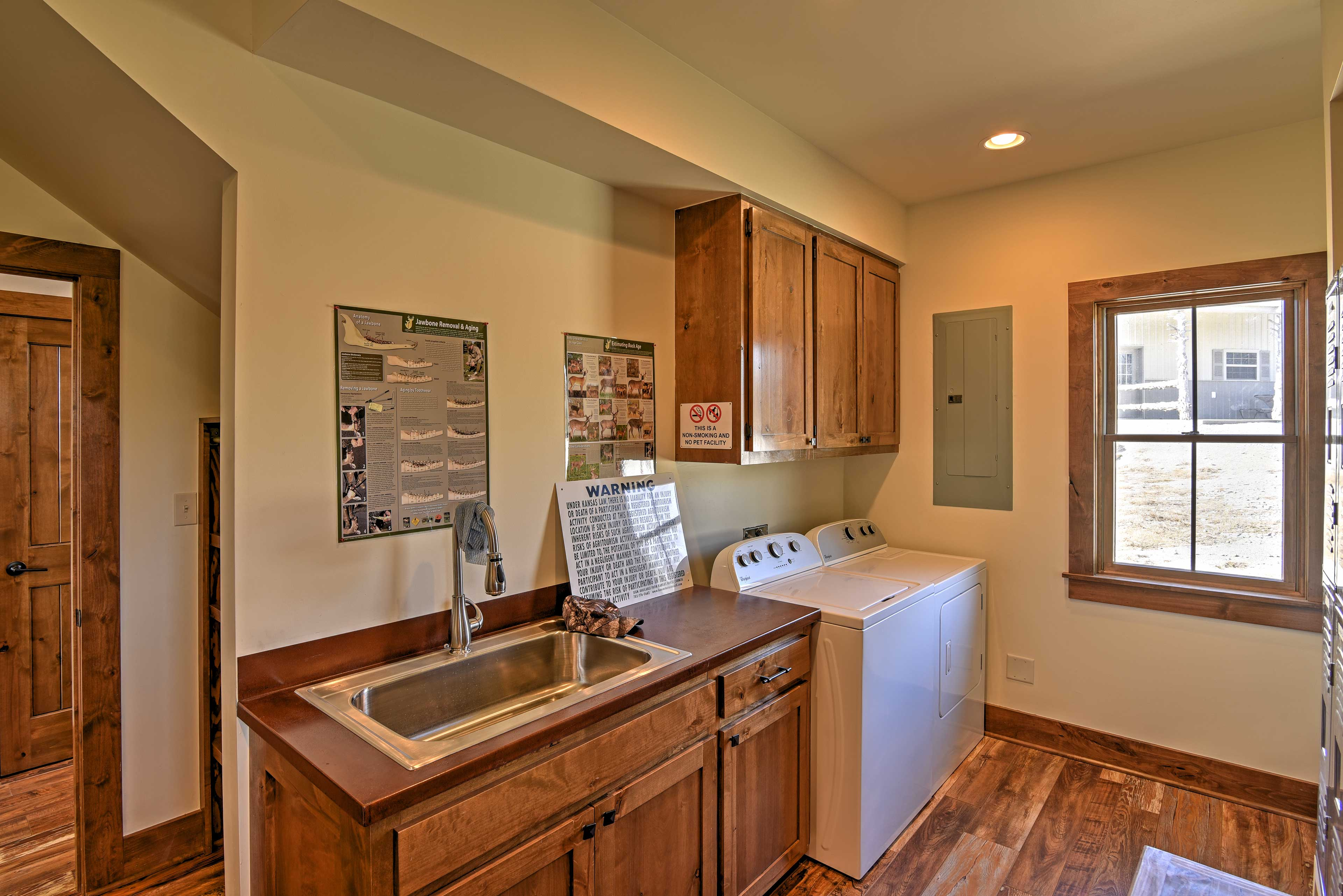 No need to pack your entire wardrobe. This home has an in-unit washer and dryer.