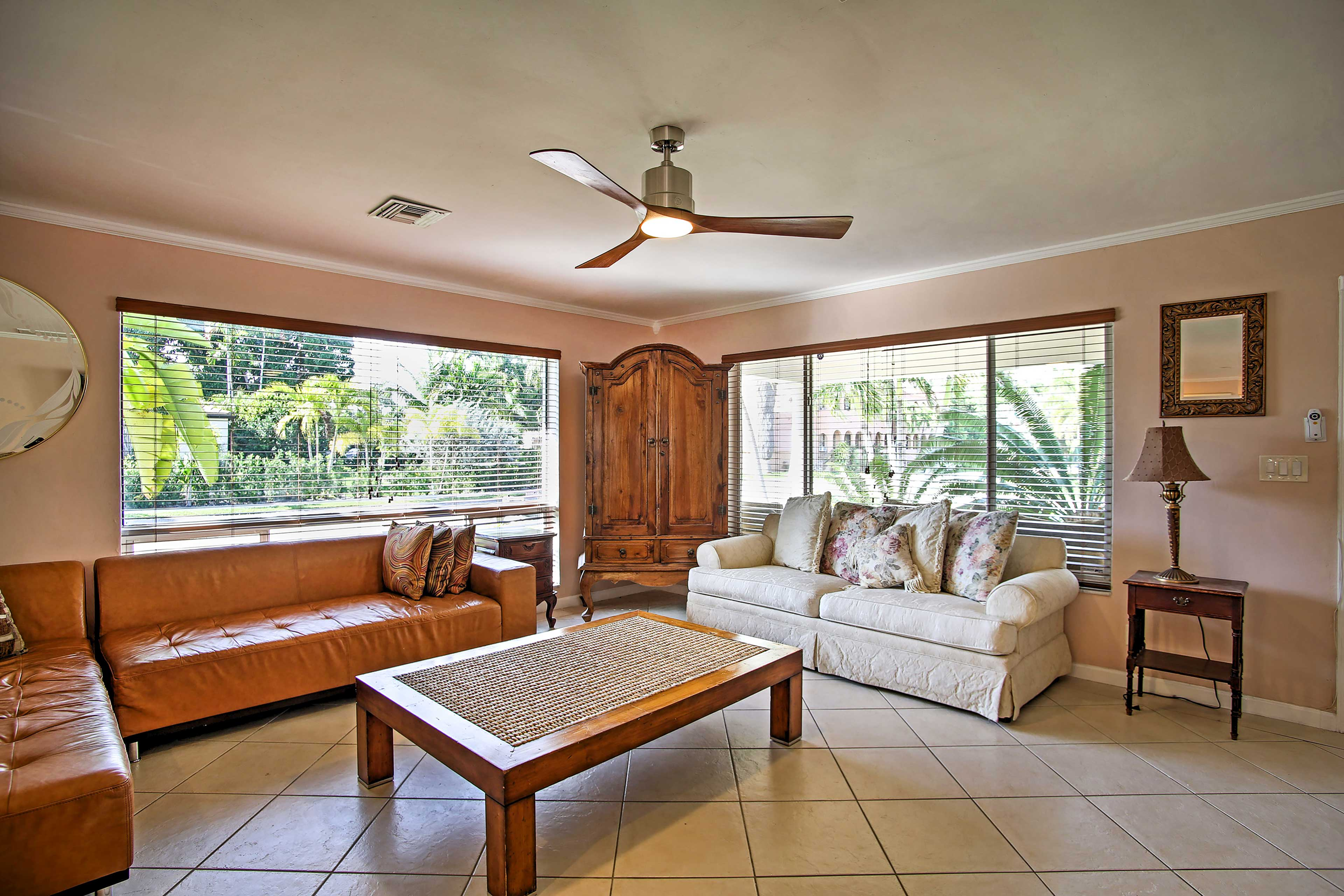 Ceiling fans will keep you nice and cool during your stay.