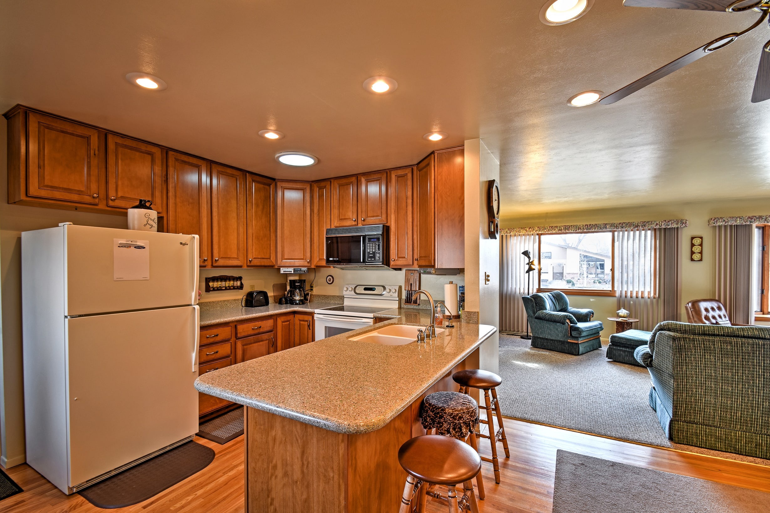 Prepare your favorite meals in the fully equipped kitchen.