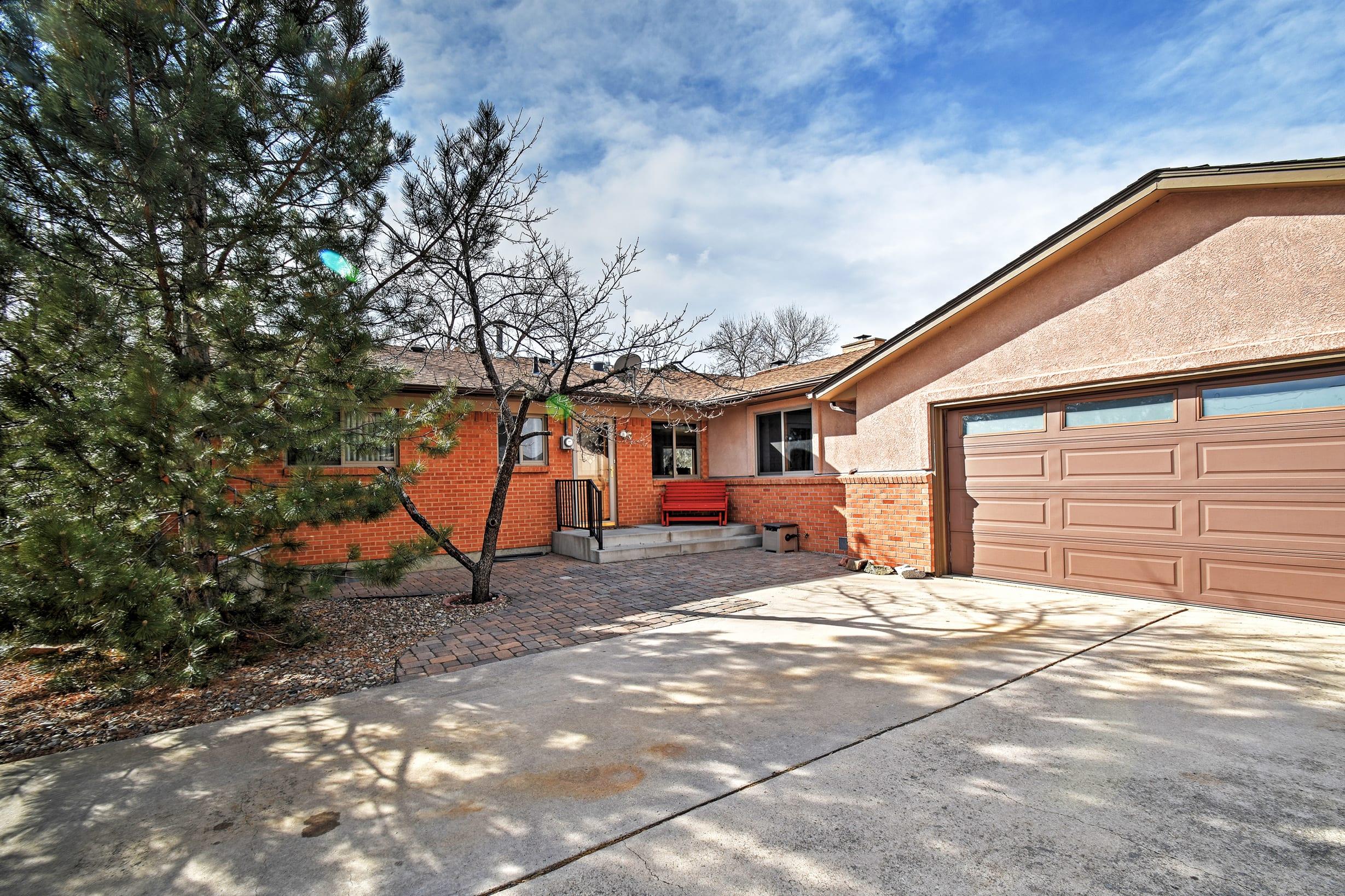 A memorable getaway awaits you at this fantastic Colorado Springs home!