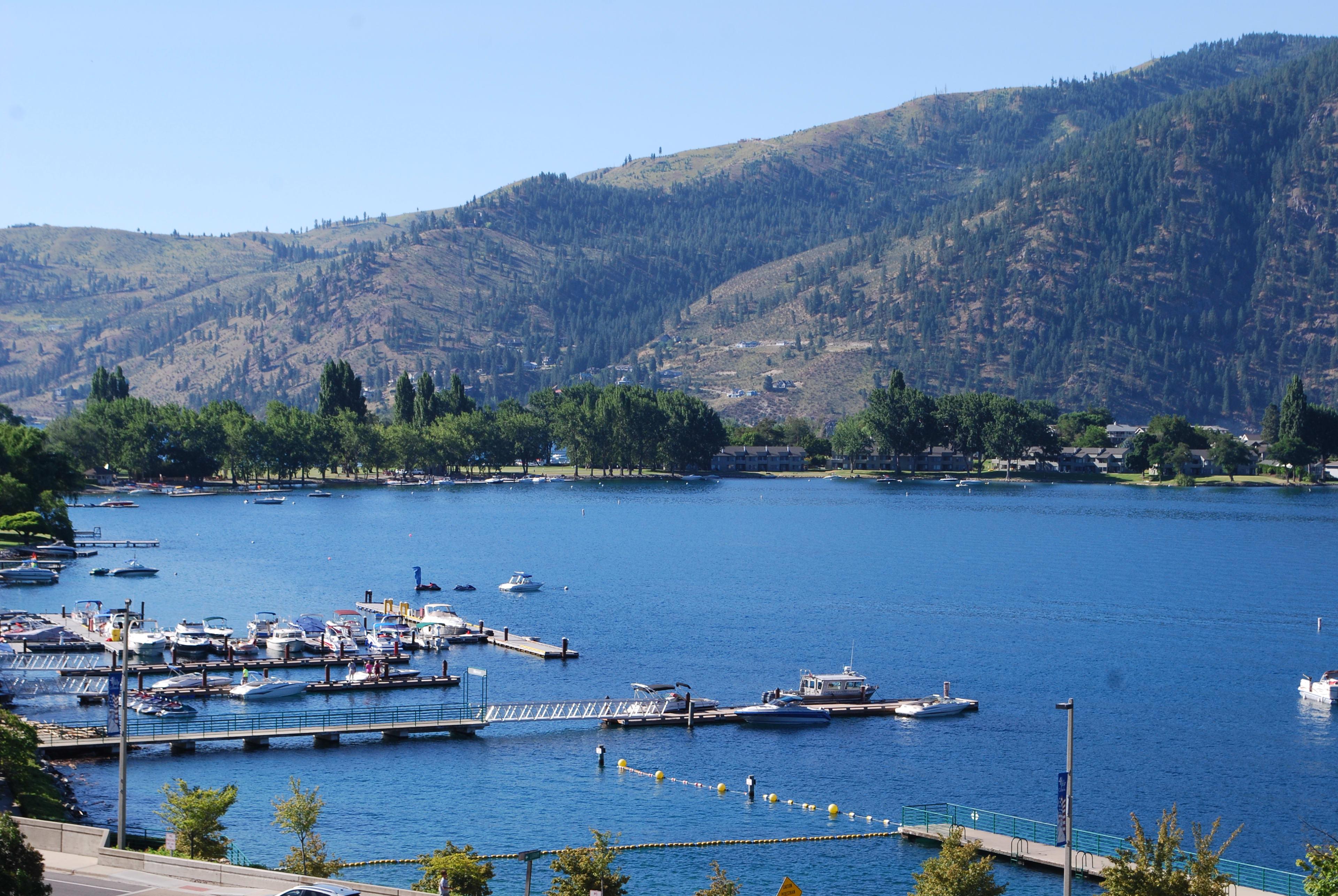 Marvel at the spectacular Lake Chelan views