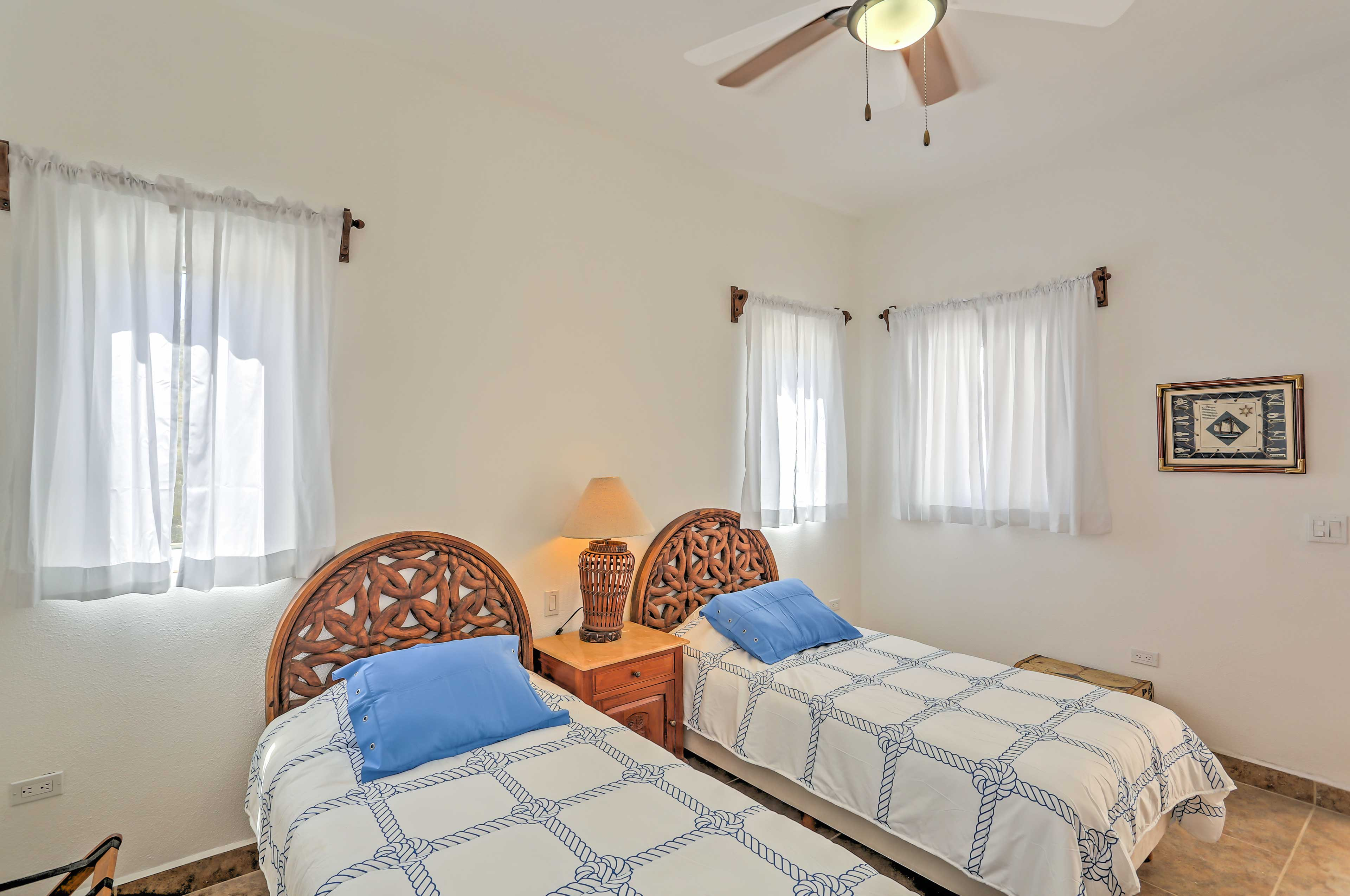 Up to 2 guests can sleep comfortably in this unit.