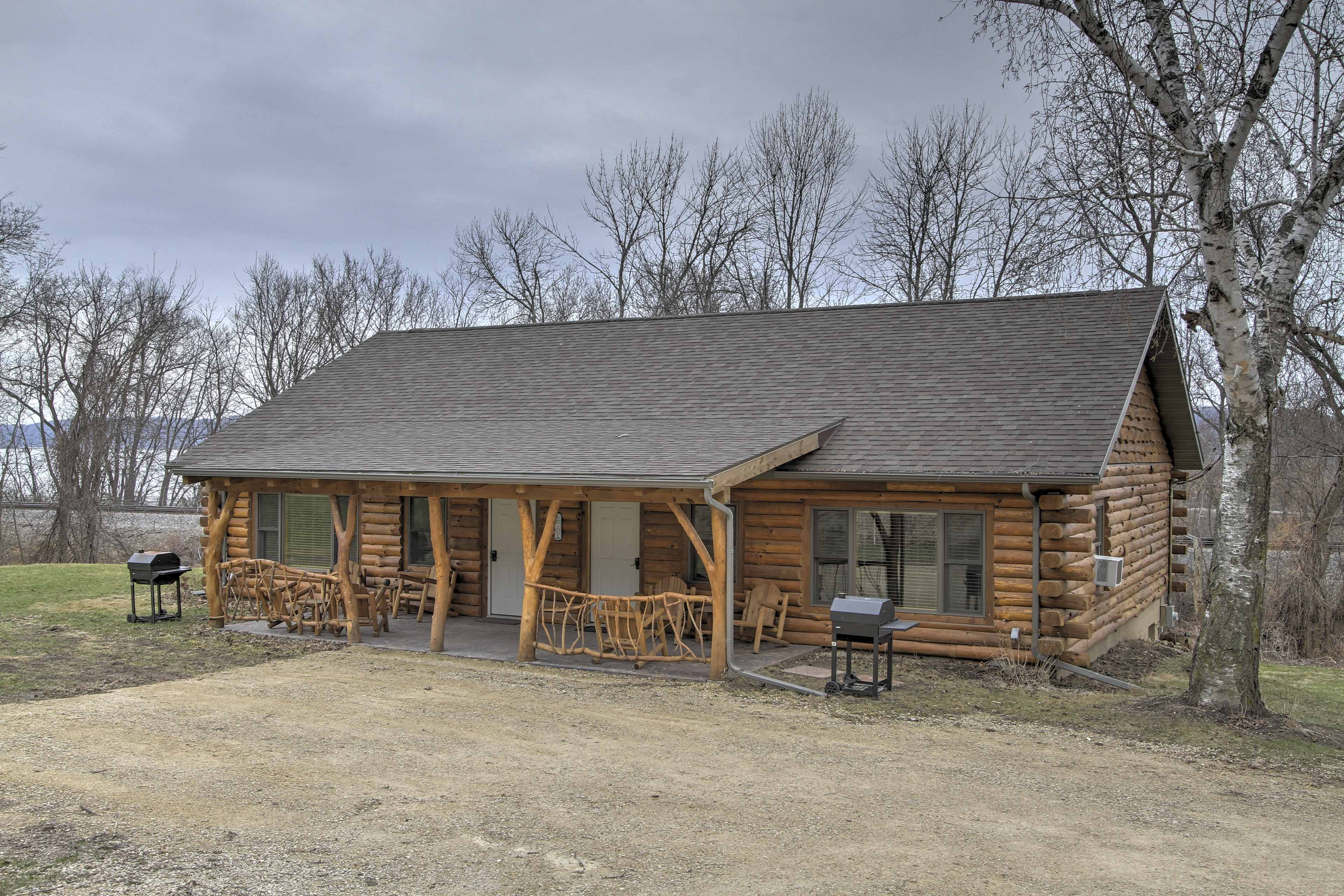 Have a relaxing getaway when you stay at this 2-bedroom, 1-bathroom vacation rental cabin in Ferryville!