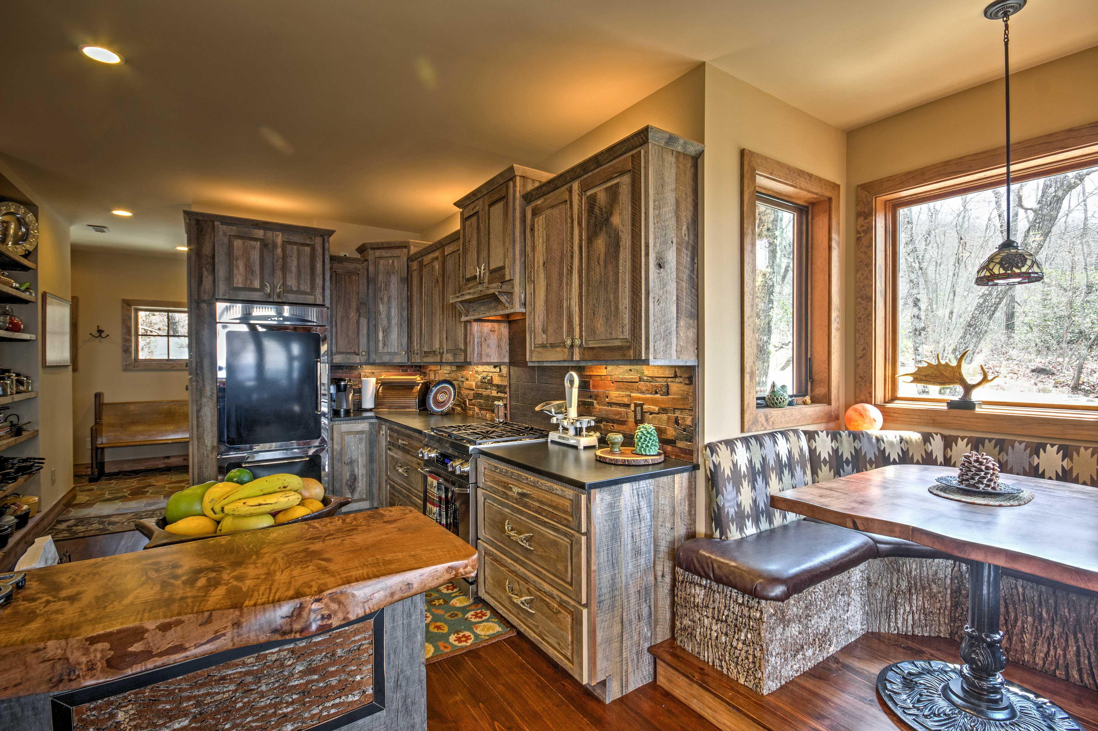 The chef of the group will delight in the fully equipped kitchen.