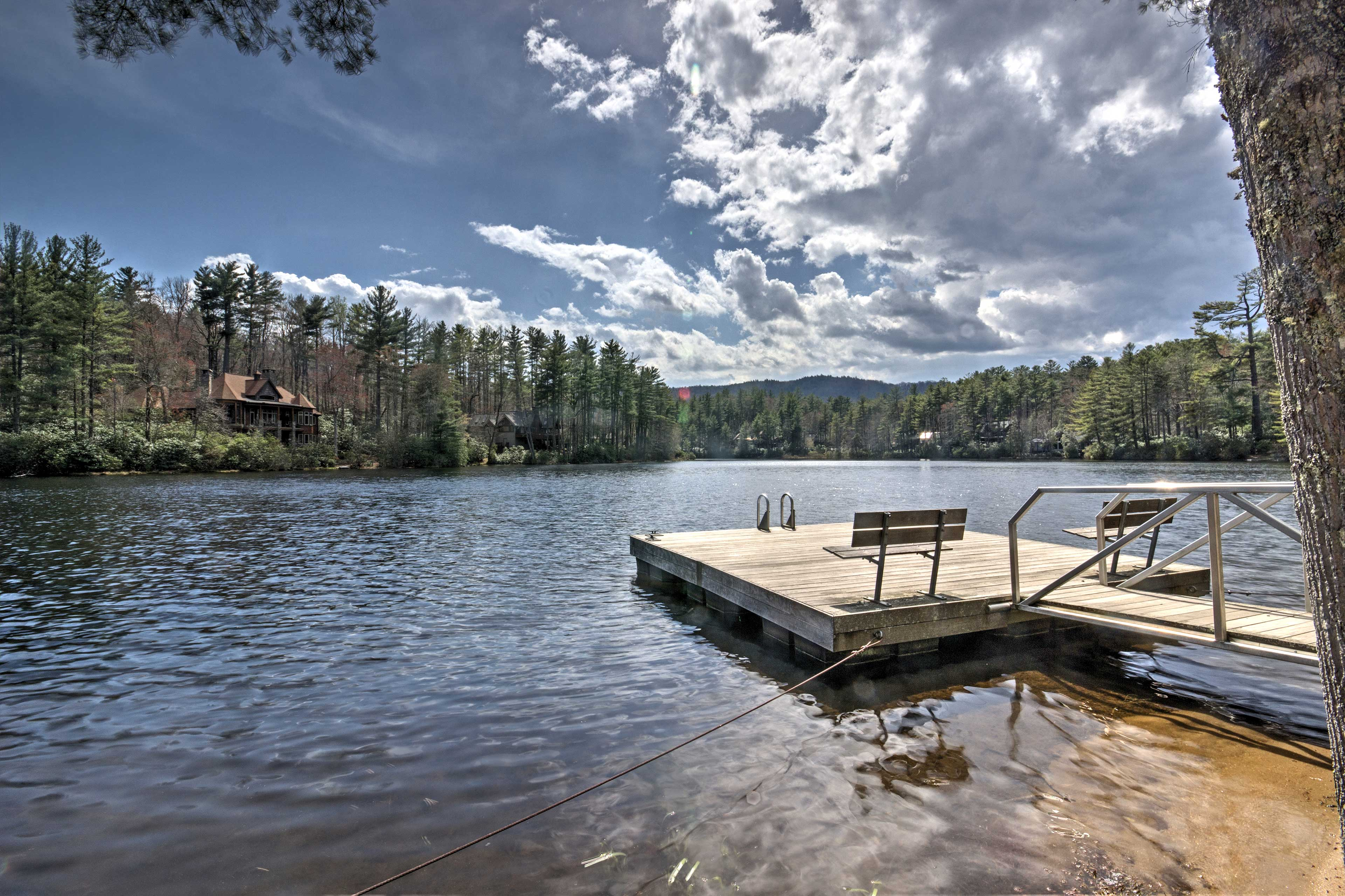 You'll never be short of outdoor fun at this cabin!