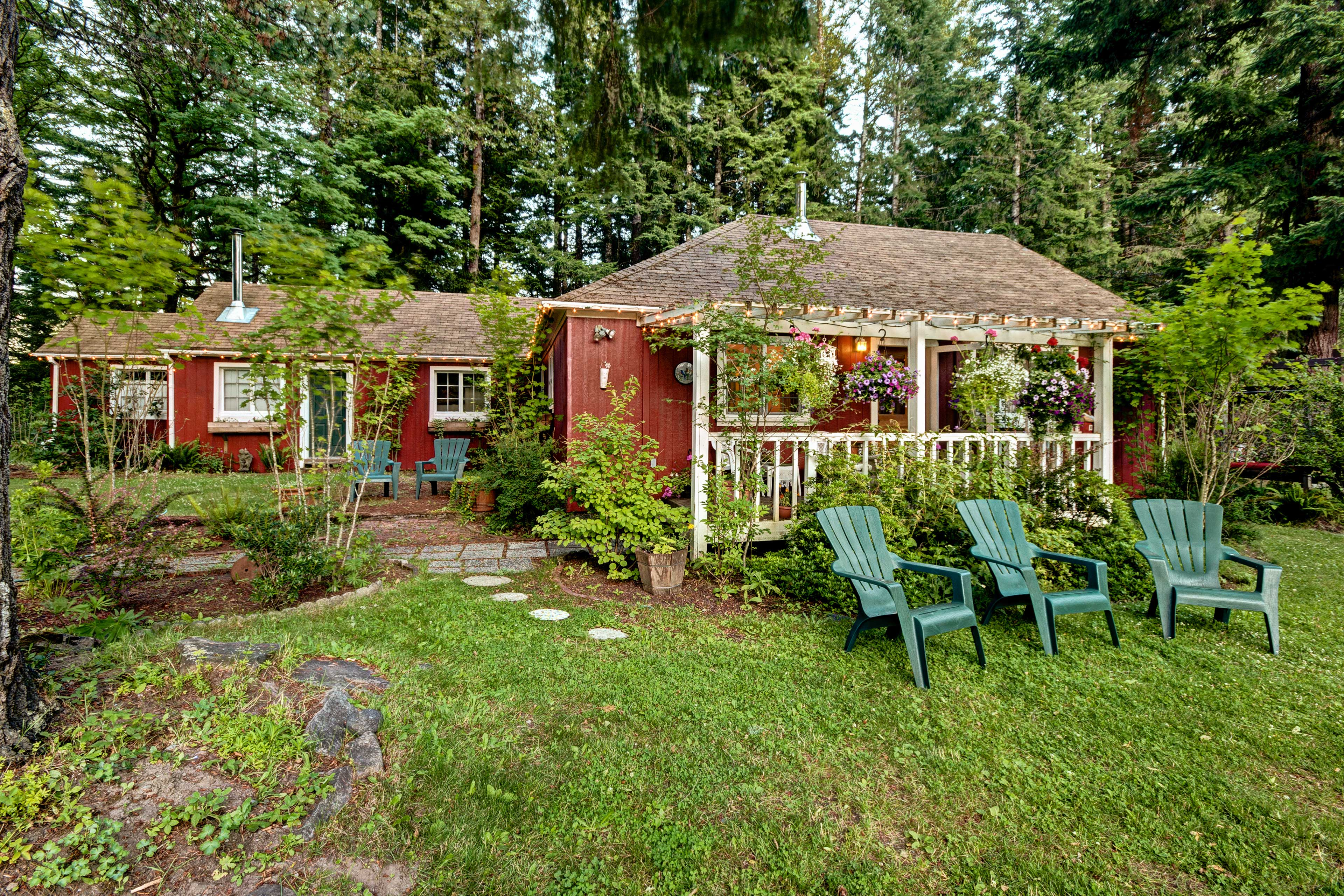 This Packwood vacation rental home is waiting!