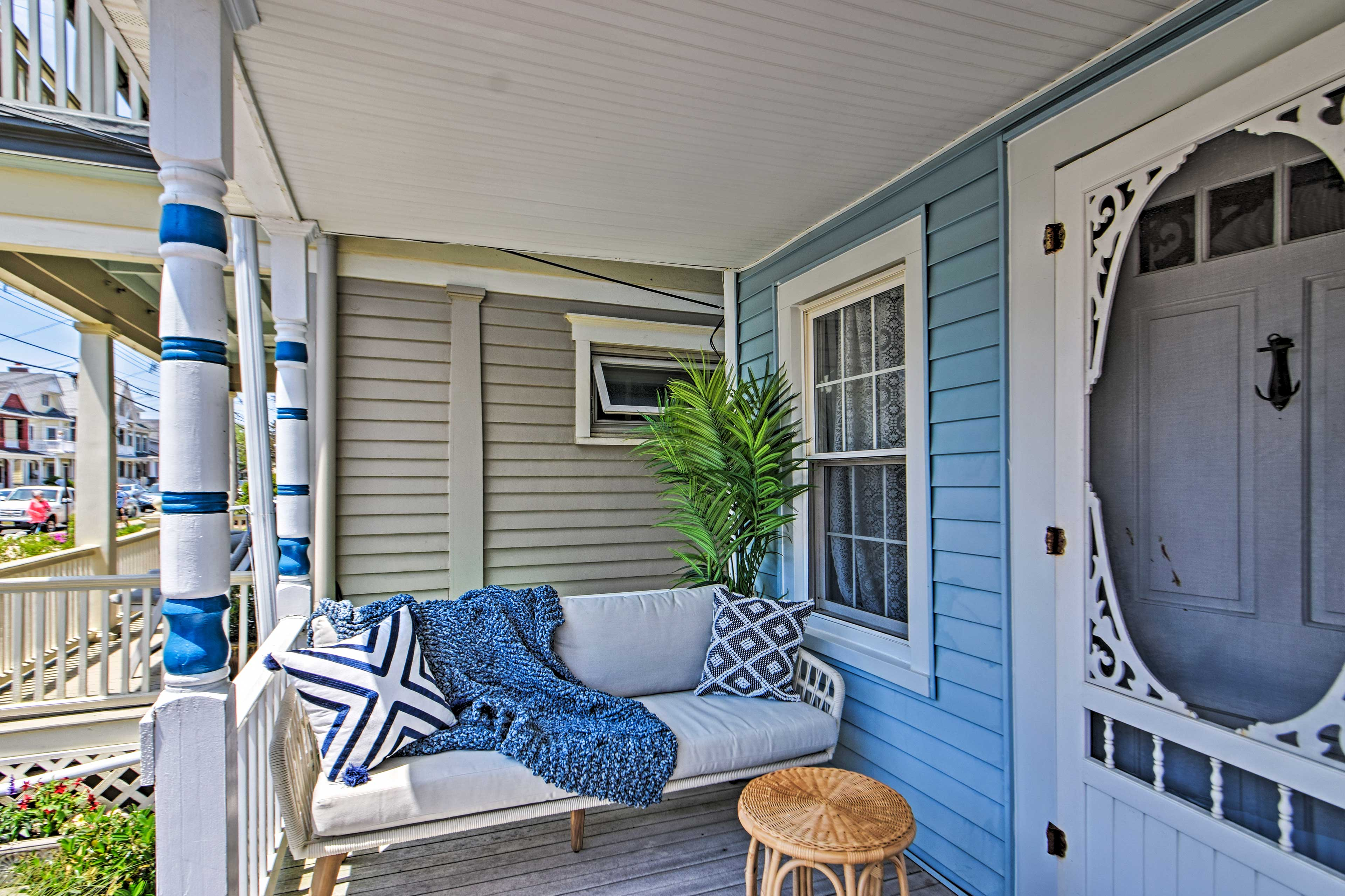 Property Exterior | Front Porch
