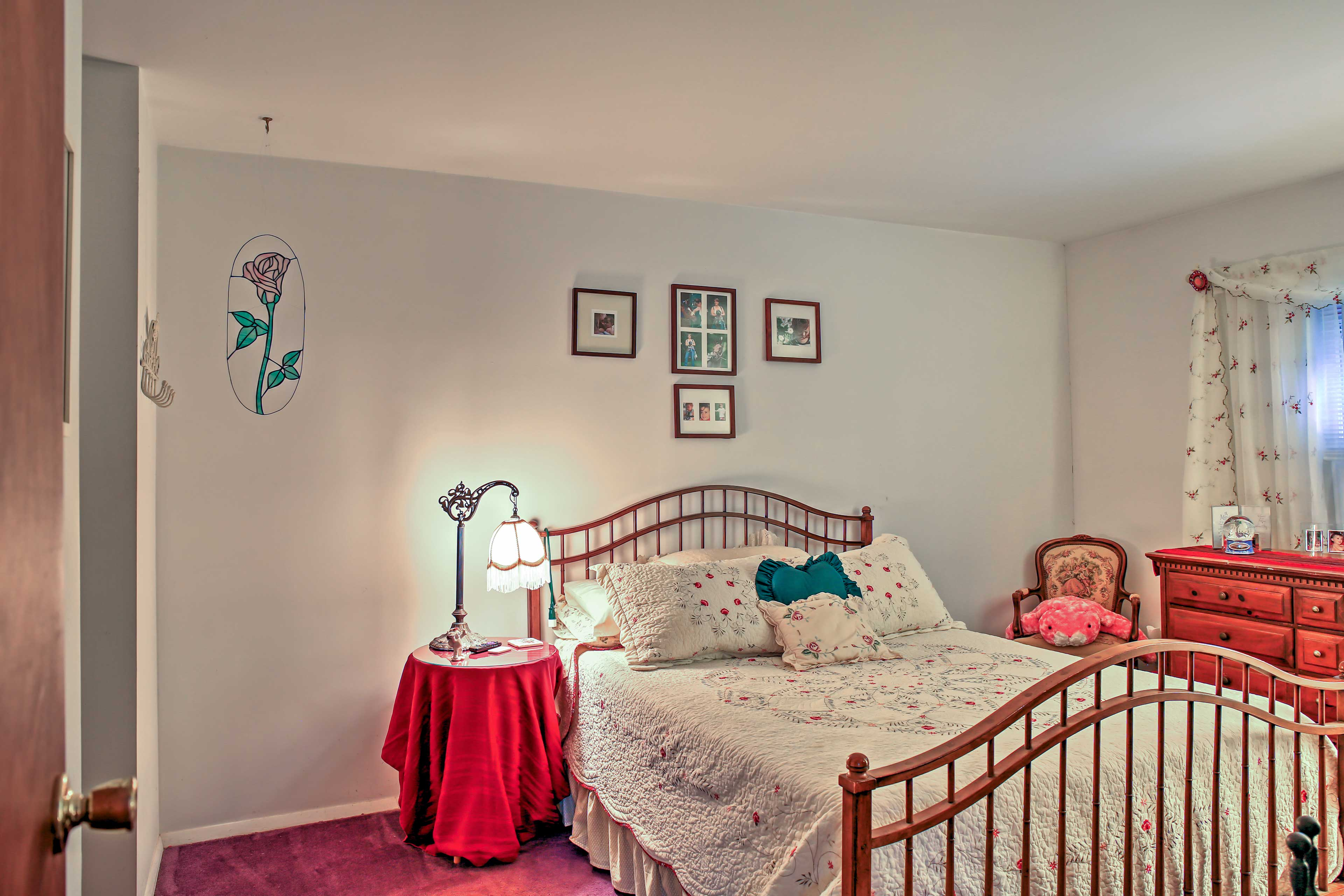 This home has 2 cushy bedrooms and 1 loft, with 1.5 private bathrooms.