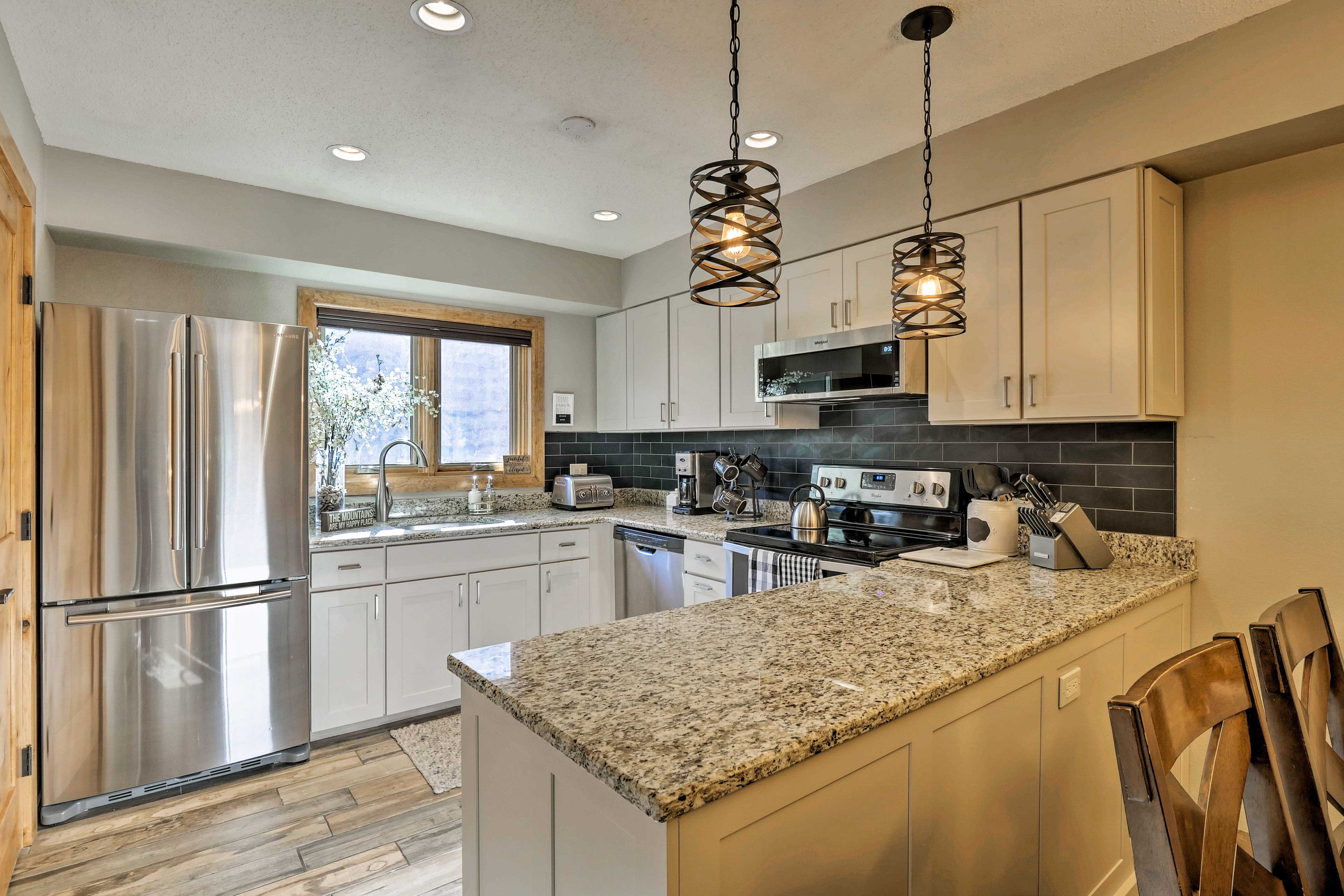 The fully equipped kitchen contains everything you'll need.
