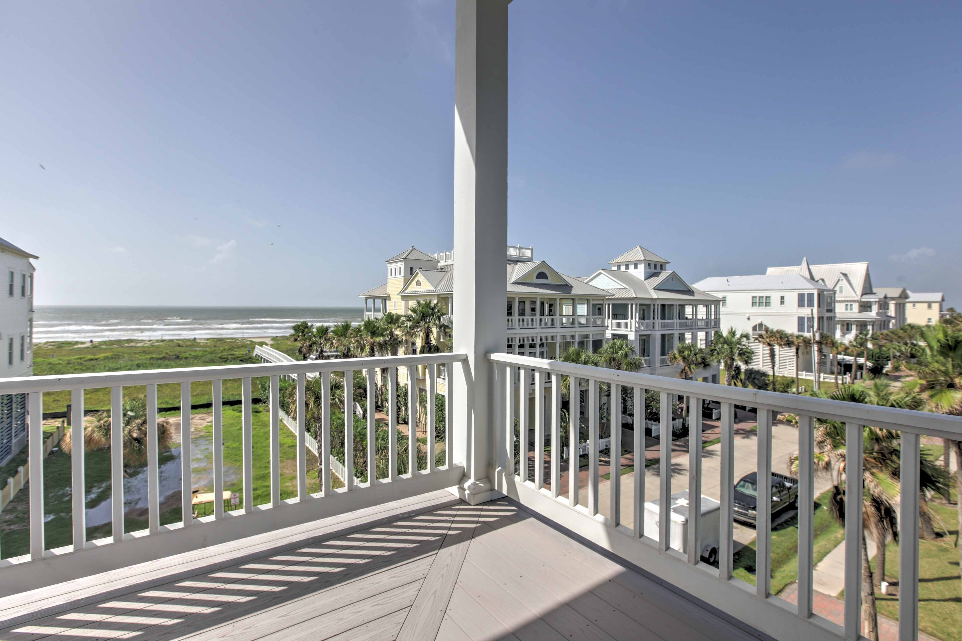 Enjoy views of the Gulf of Mexico and Bay of Galveston from both of the balconies in this 3-bedroom, 2.5-bathroom vacation rental home in Galveston!