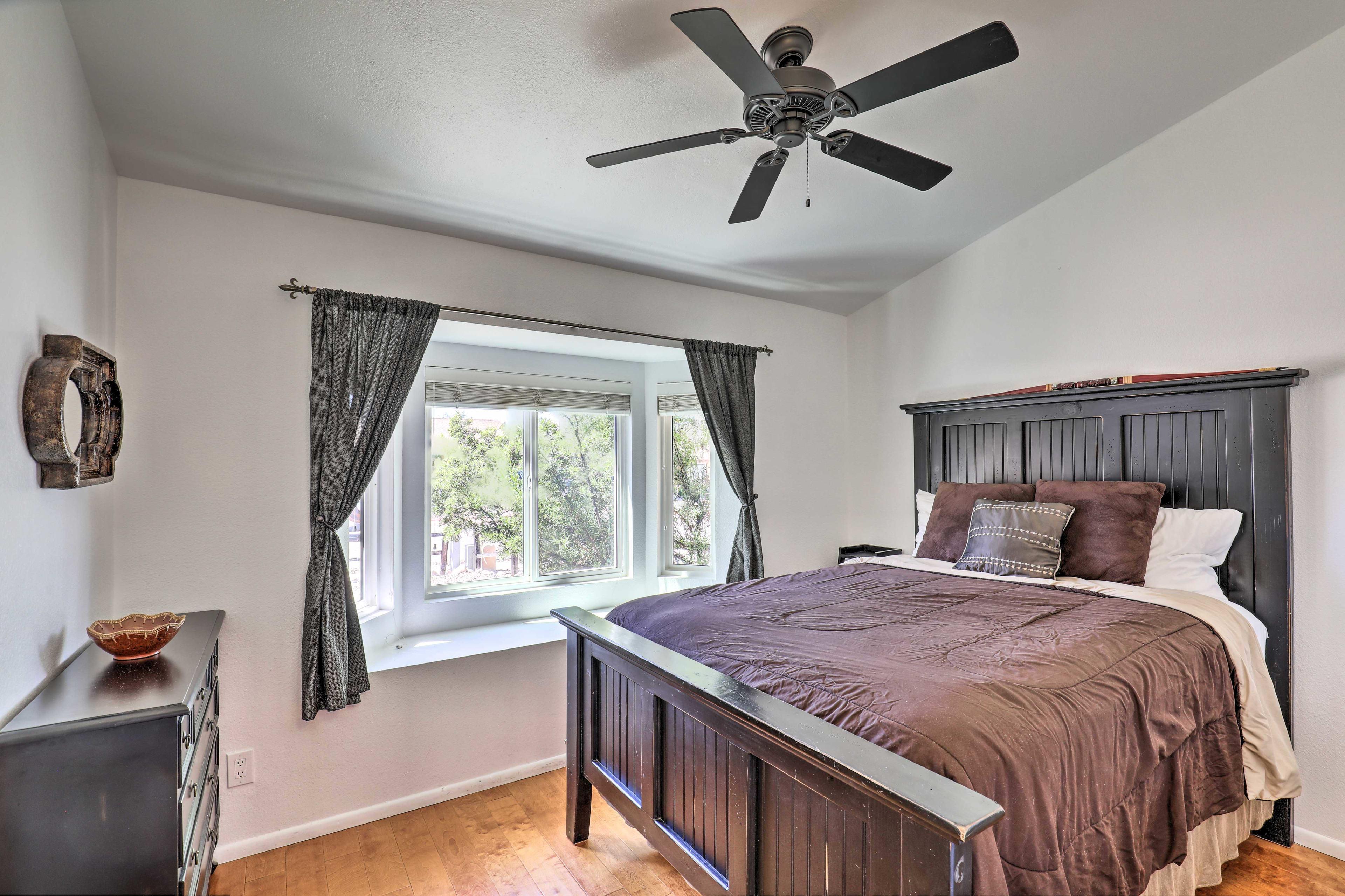Master Bedroom | King Bed