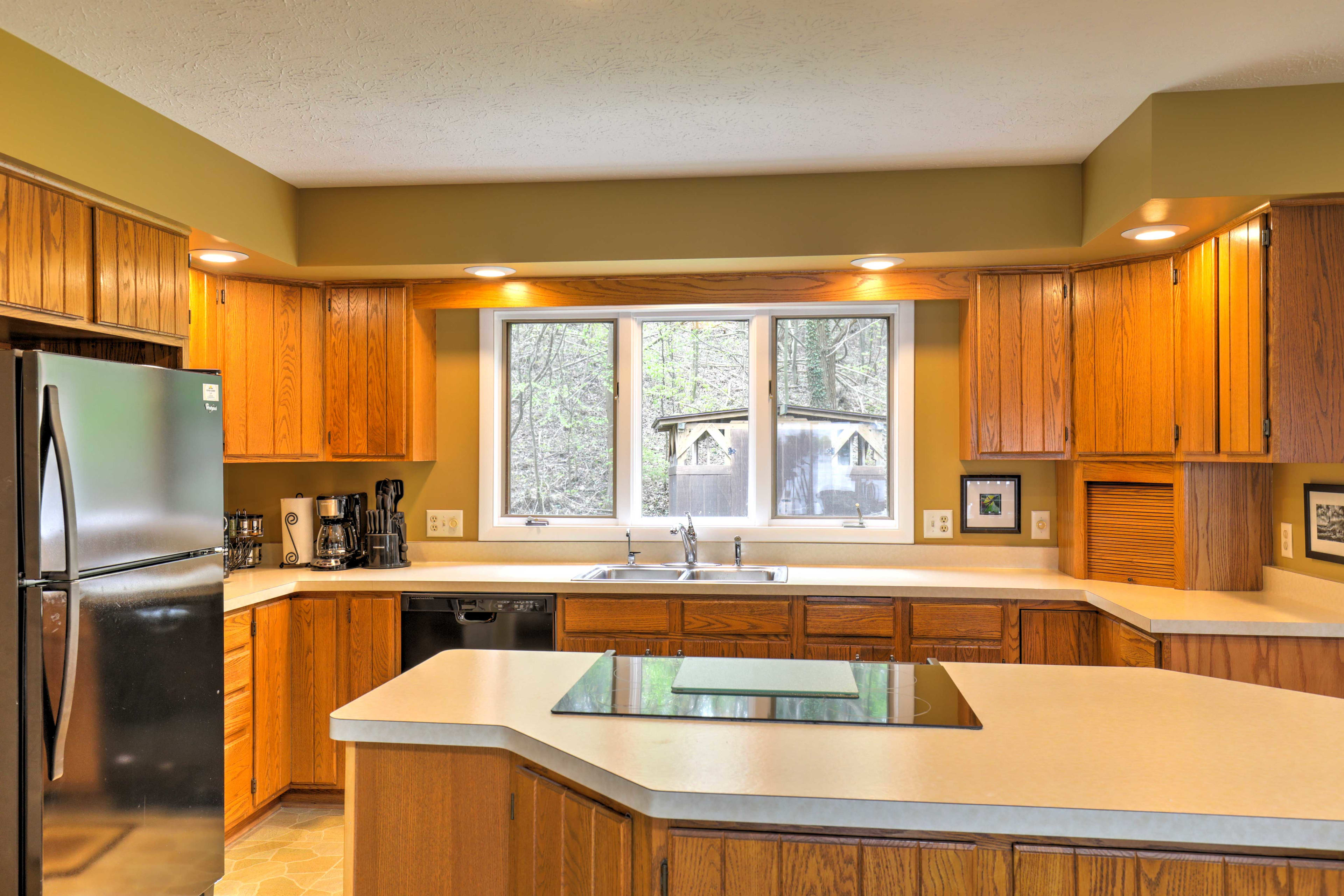 Head to the fully equipped kitchen to prepare all your favorite recipes.