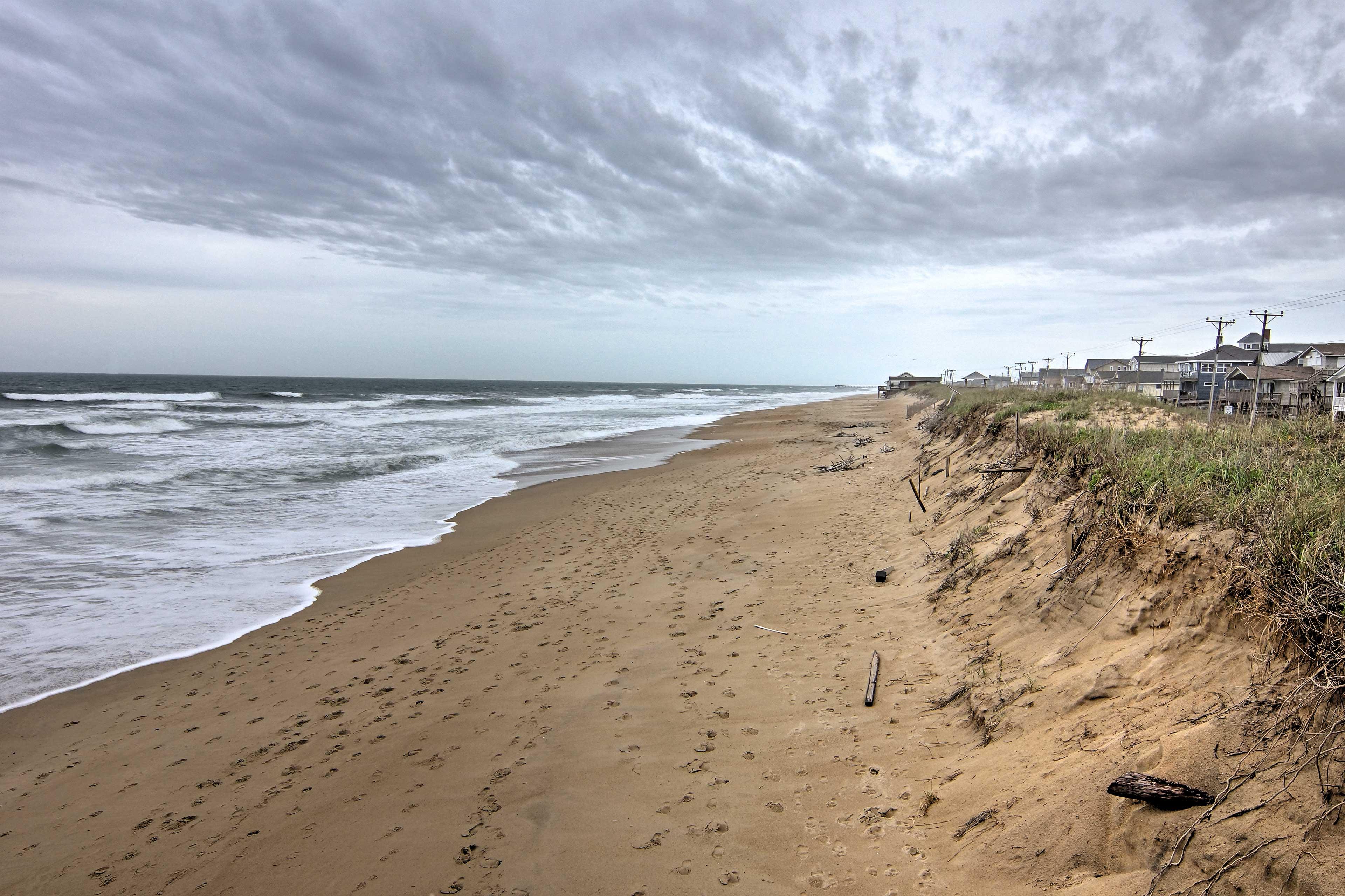 Walk an easy 80 steps to reach the Atlantic Ocean Beach!