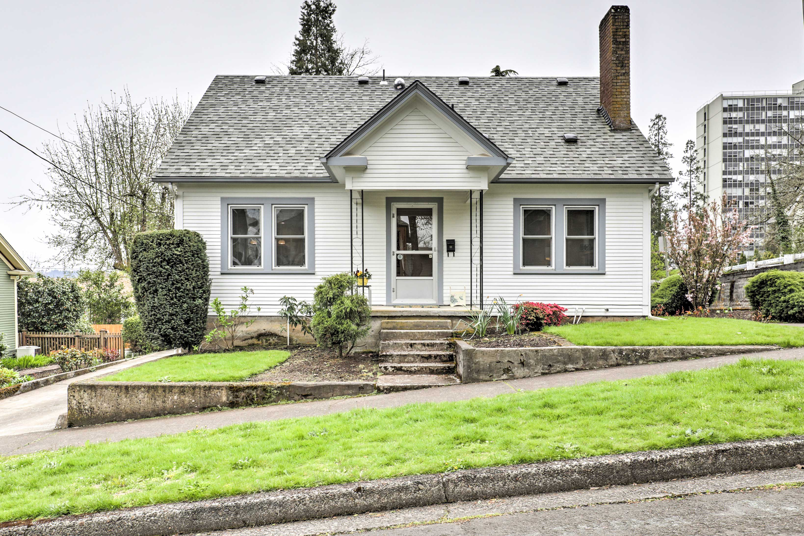 Relax at this 4-bedroom, 2-bathroom vacation rental house in Eugene, Oregon!