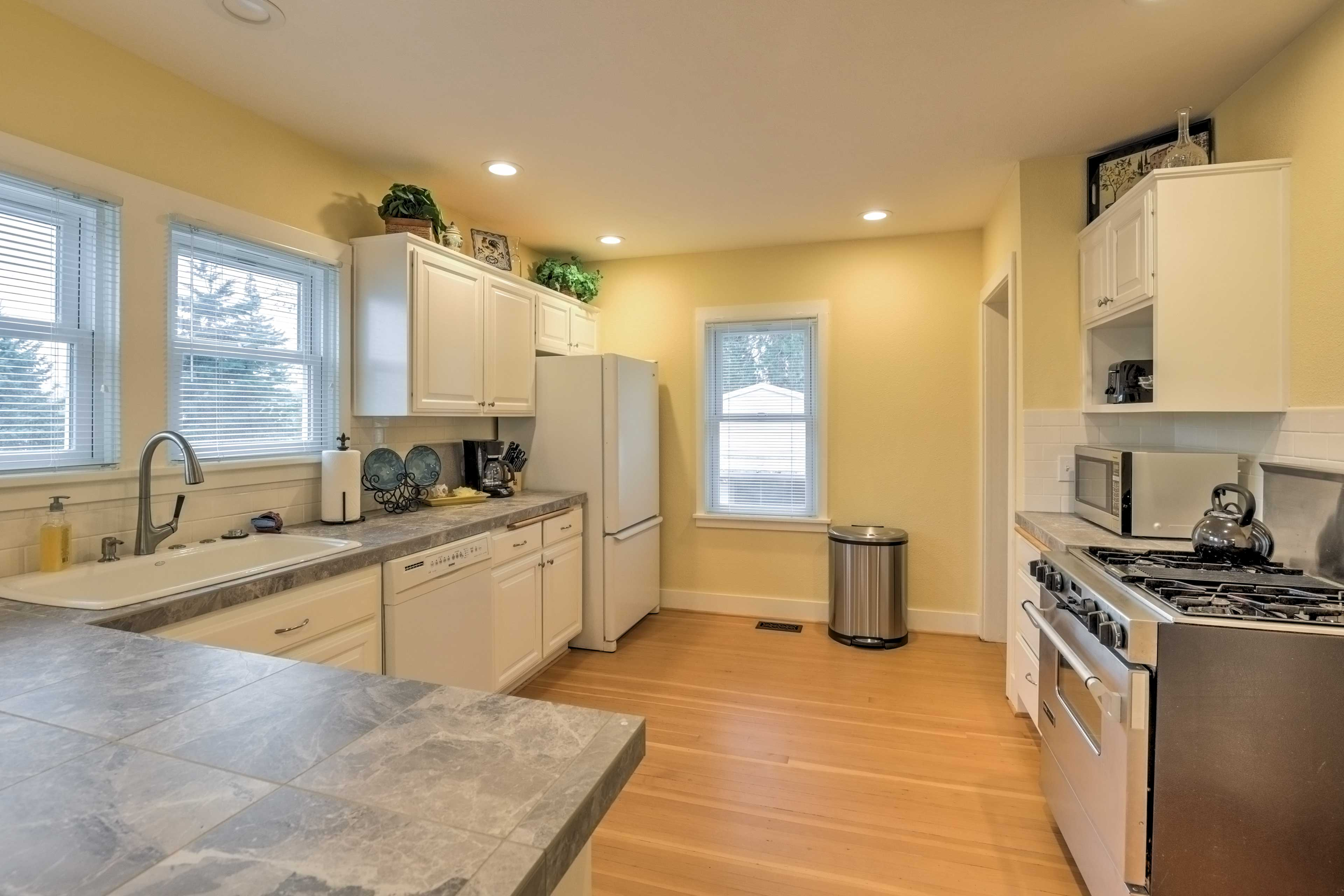 Utilize the fully equipped kitchen to prepare home-cooked meals.