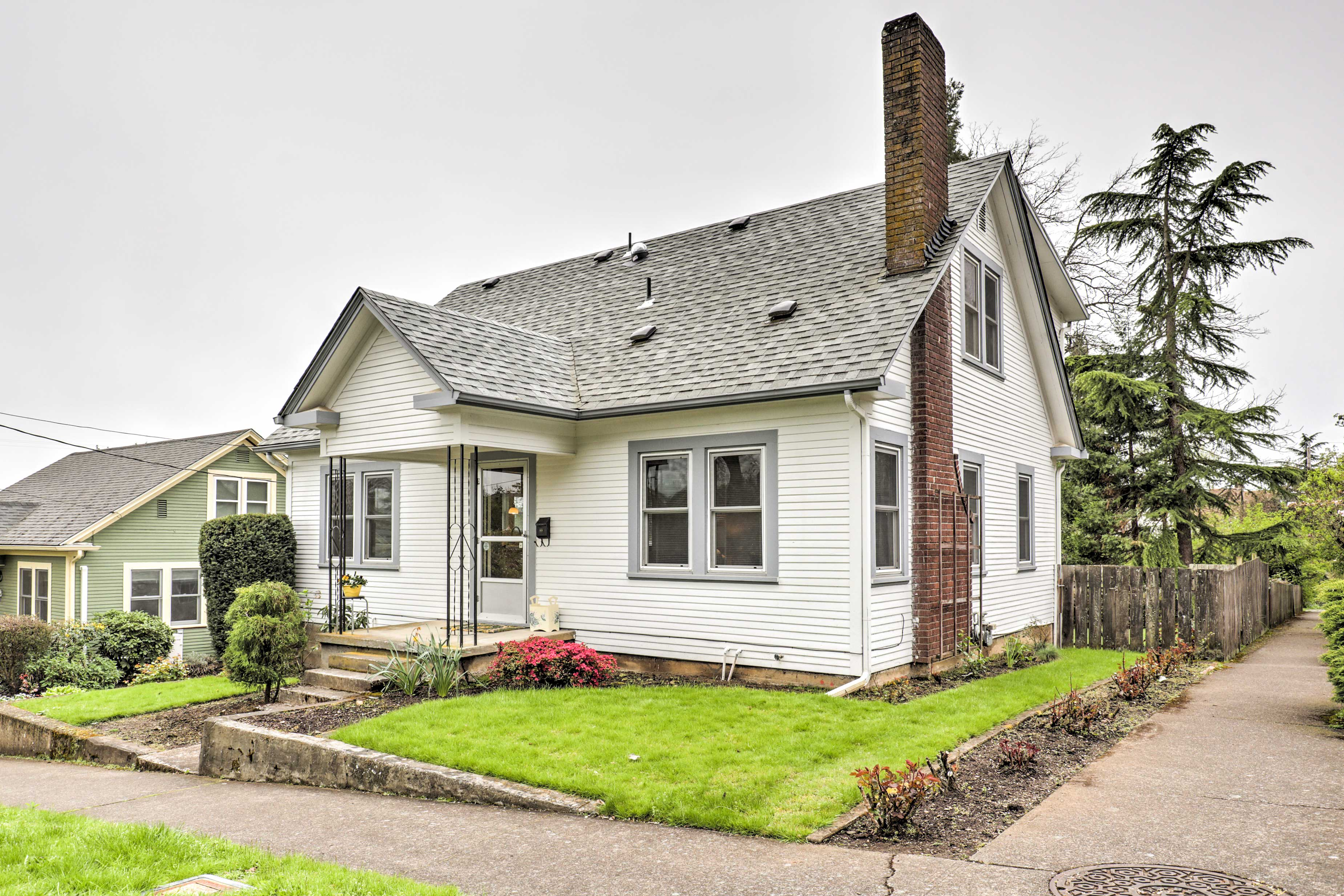 Book this pristine home for the ultimate Eugene getaway!