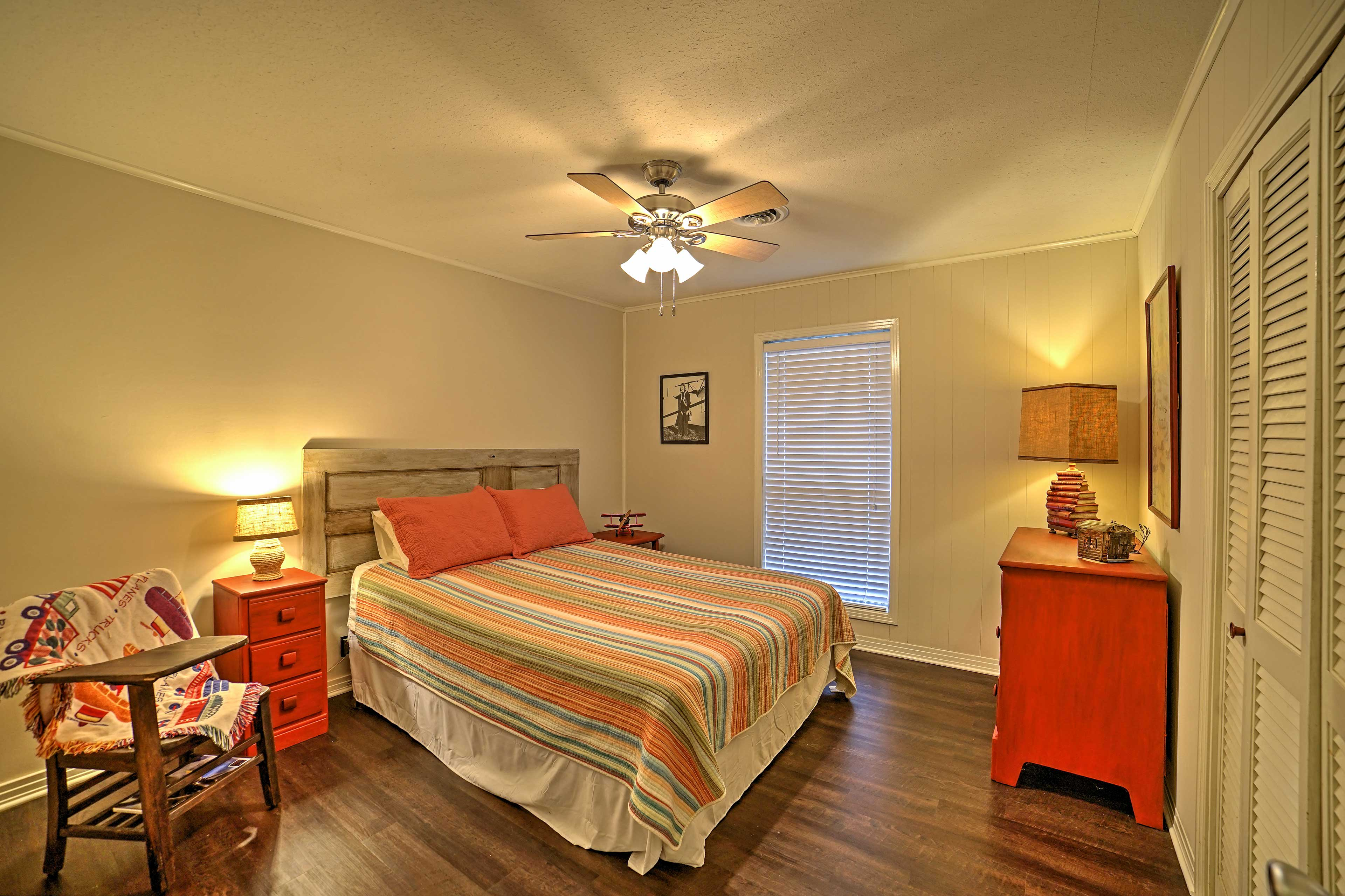 The home features 3 bedrooms for guests to sleep in.