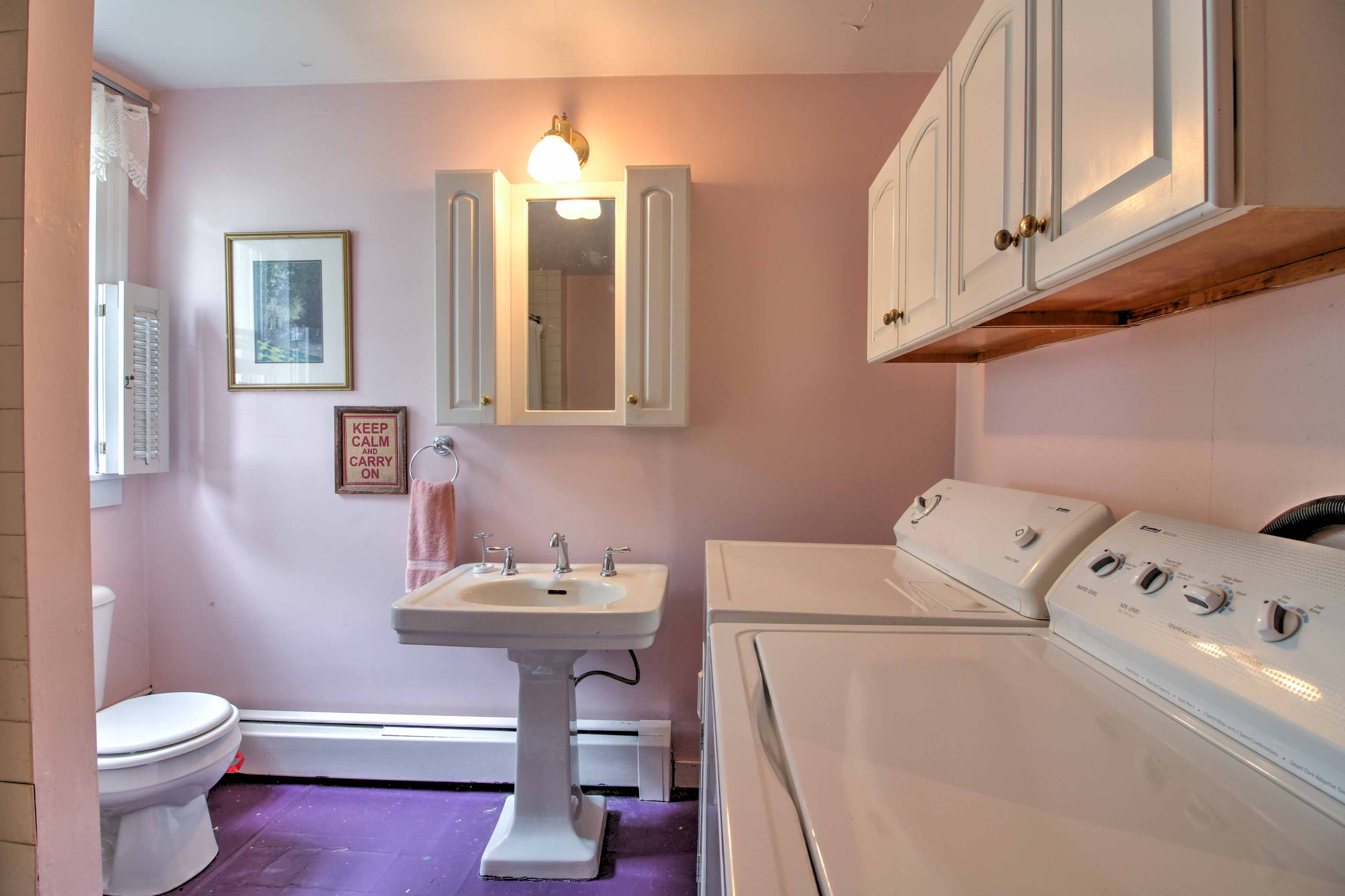 Keep your clothes fresh during your stay with these in-unit laundry machines.