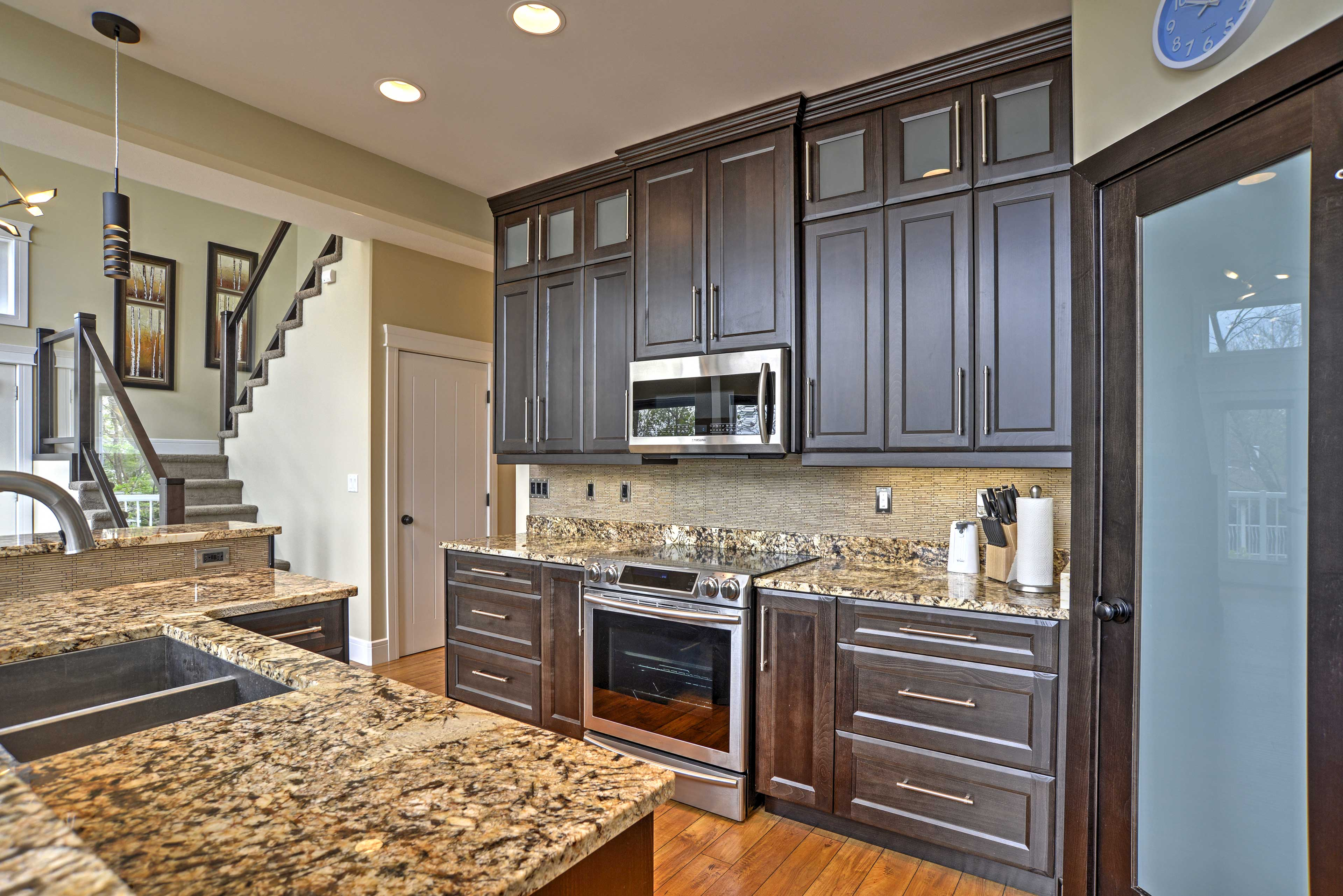 This kitchen has all the appliances you need to prepare your favorite meals.