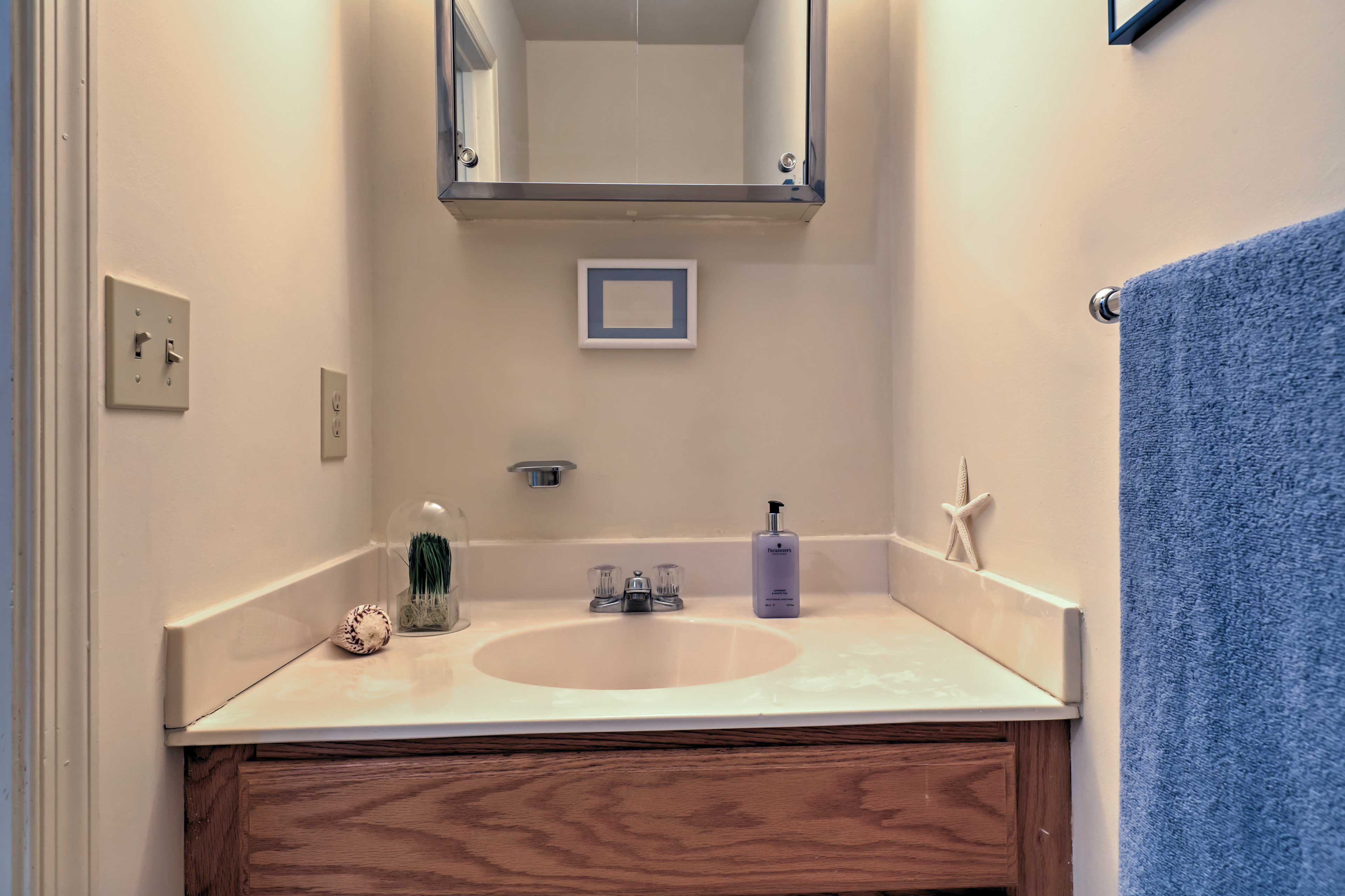 The property features 2.5 bathrooms throughout.