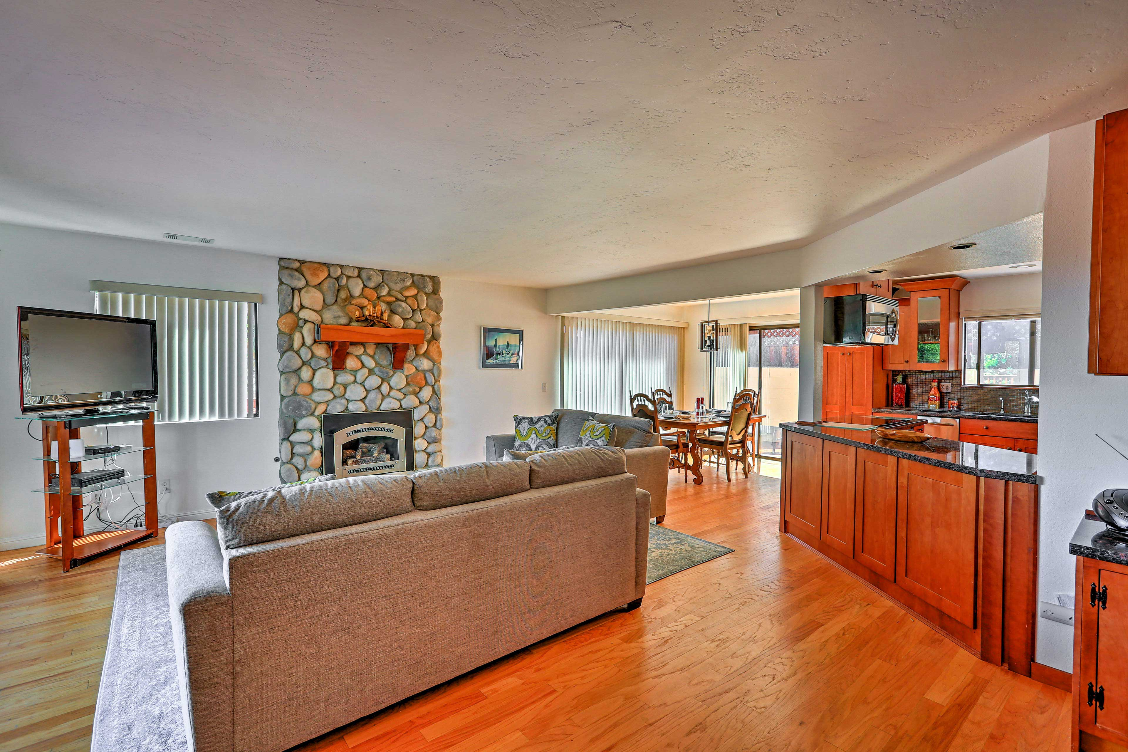 The whole group can sprawl out in this open-concept floor plan.