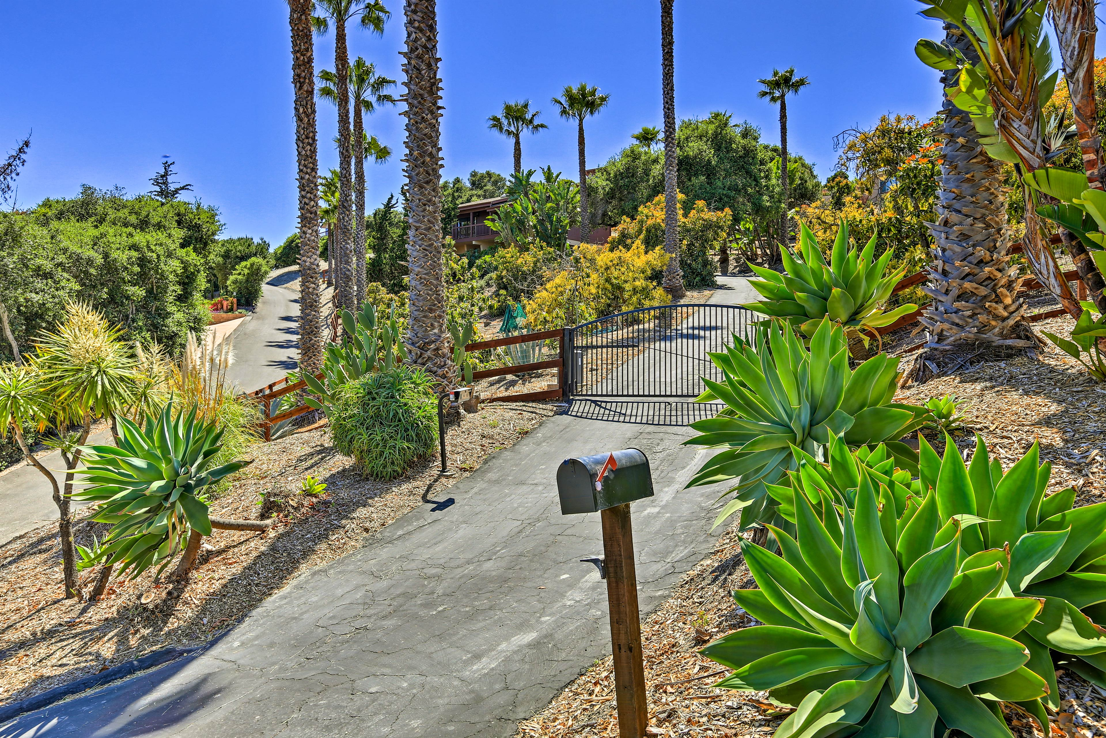 The village of Arroyo Grande is just a 5-minute stroll away.