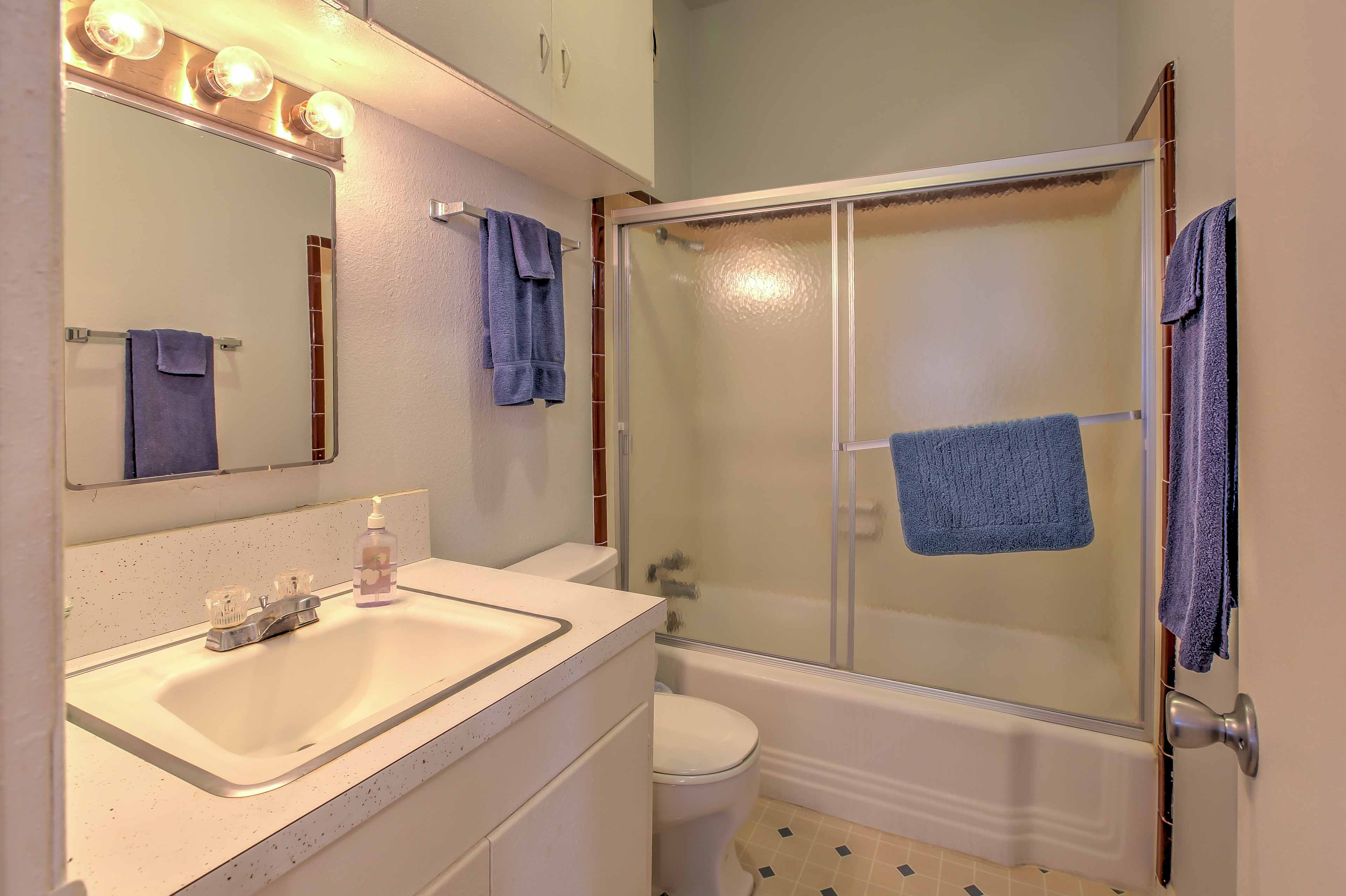 The second bathroom also offers a shower/tub combo!