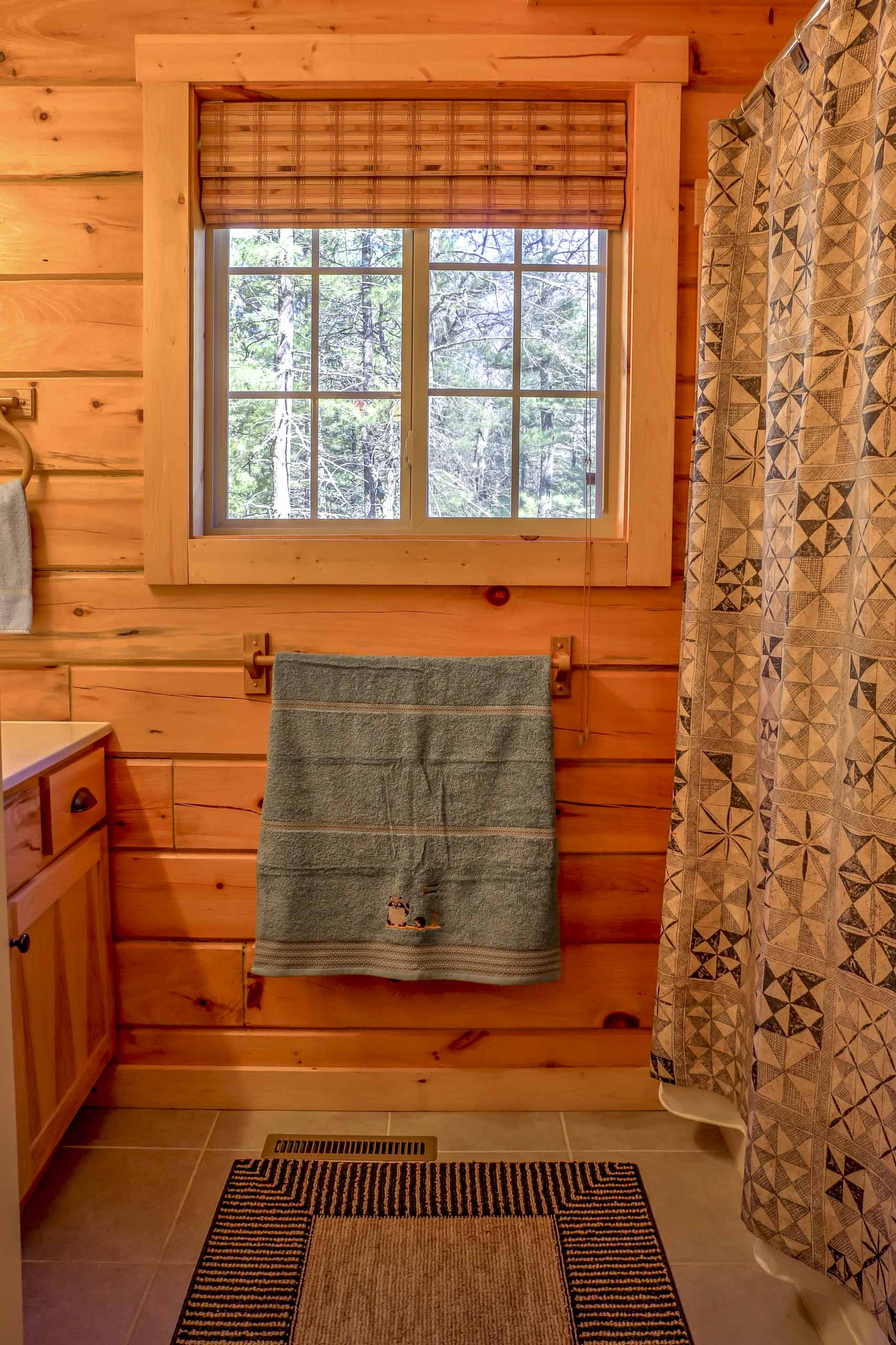 The home features 1.5 bathrooms for guests to use.