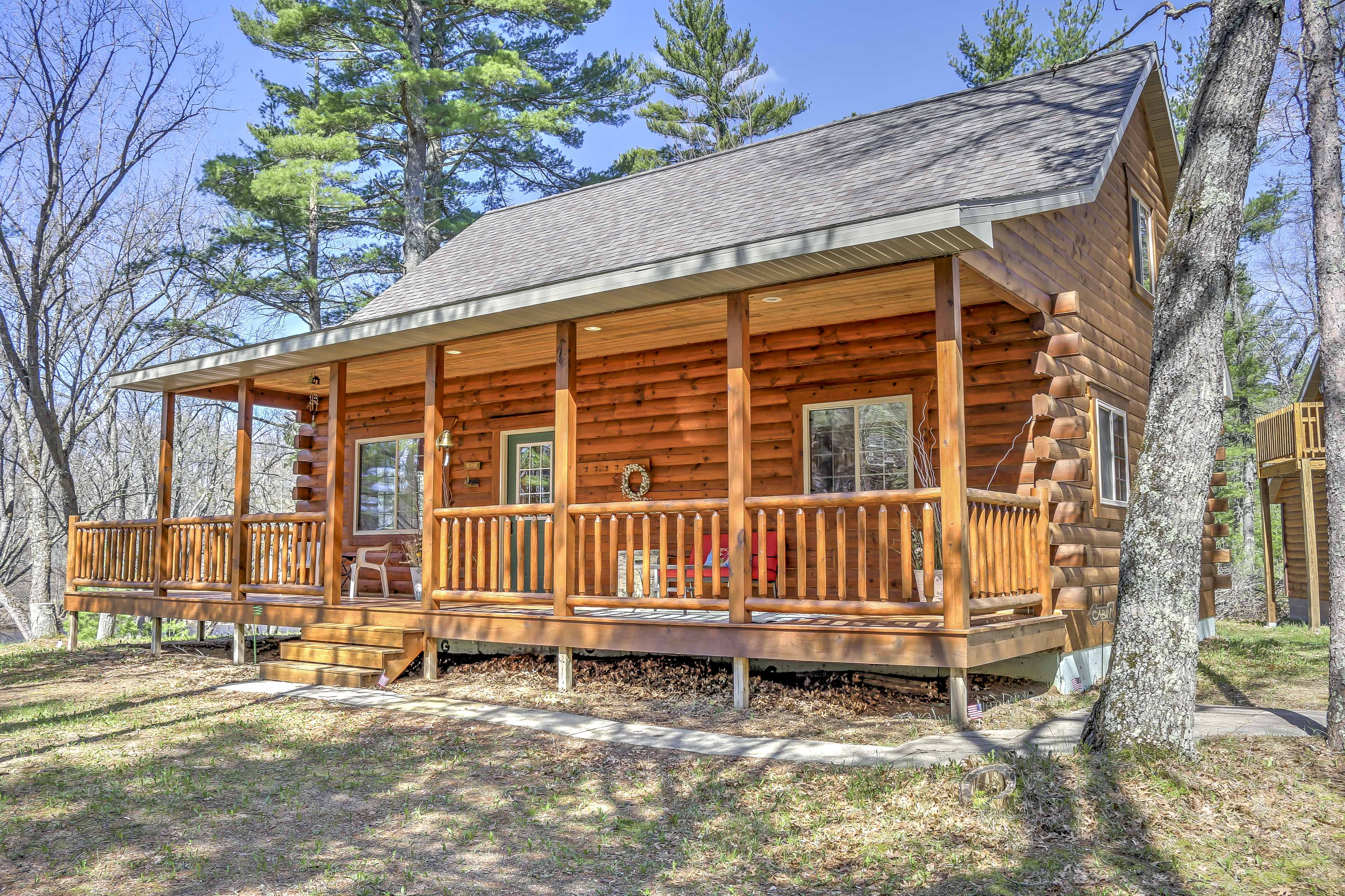 This log cabin is a woodland dream!