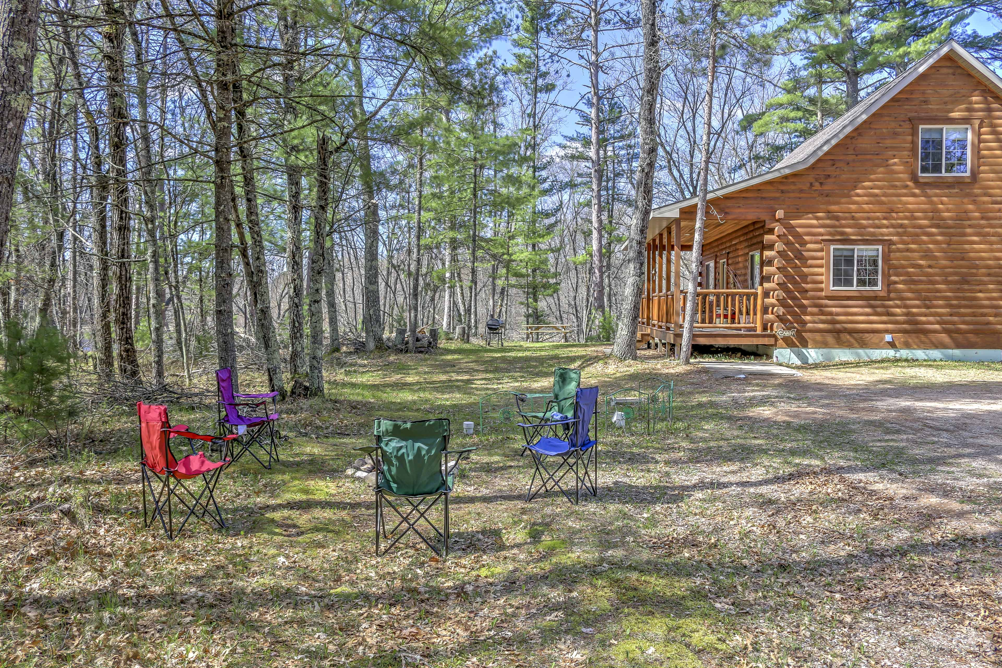 Enjoy time spent with family on the camping chairs.