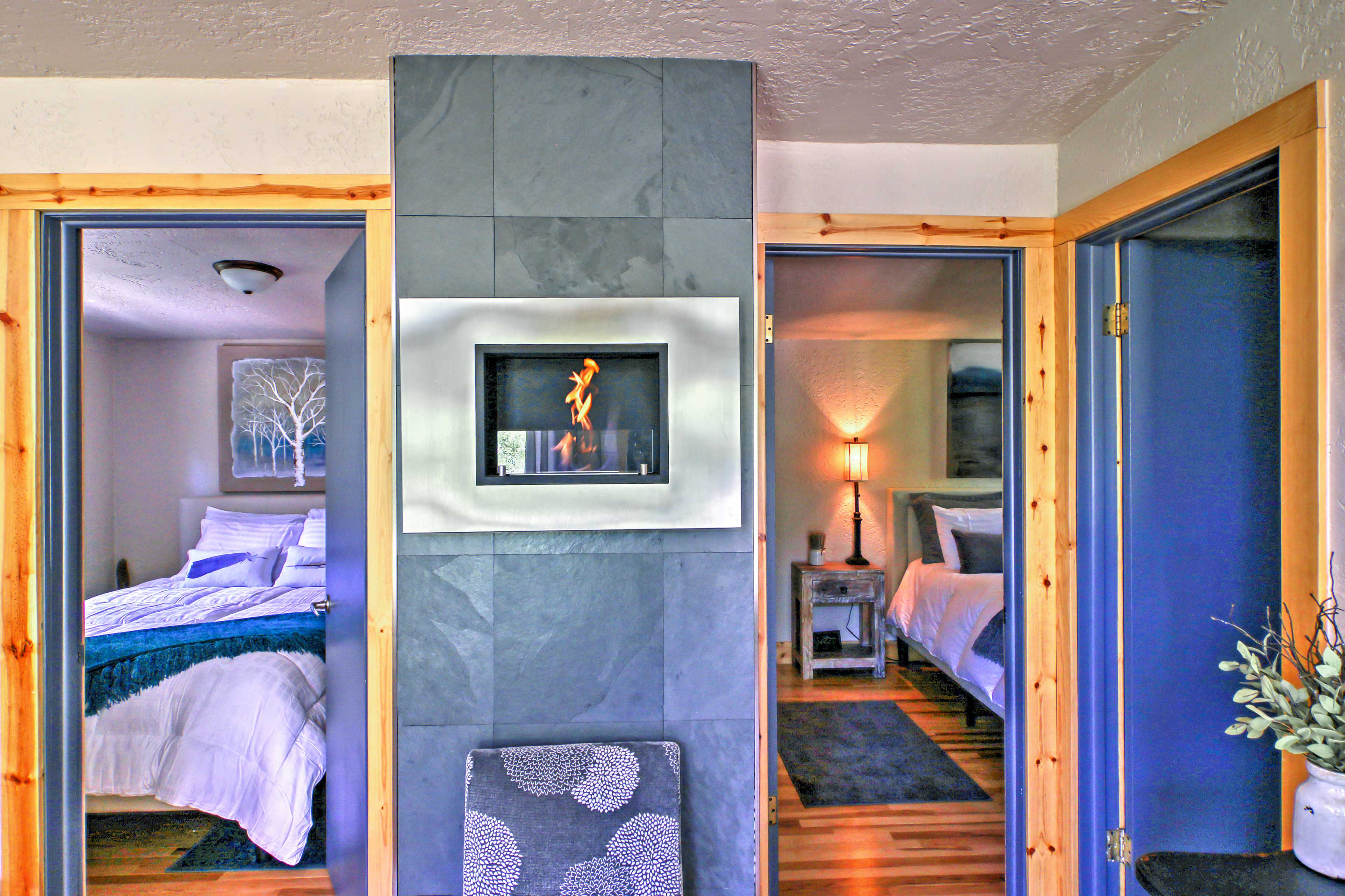 Drift off to sleep in one of the 2 bedrooms, both providing queen-sized beds.