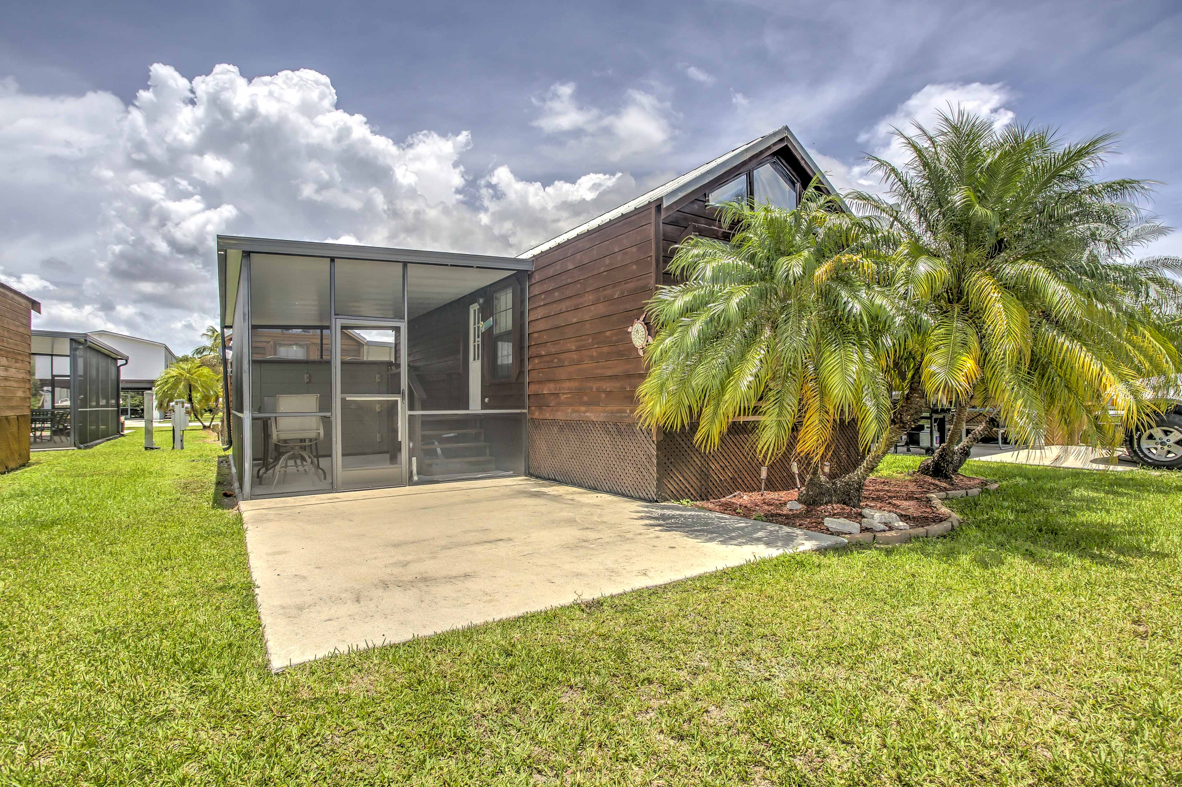 Experience Florida's Ten Thousand Islands like never before from  'Glades Haven,' a 1-bedroom, 1-bathroom Everglades City vacation rental cabin!
