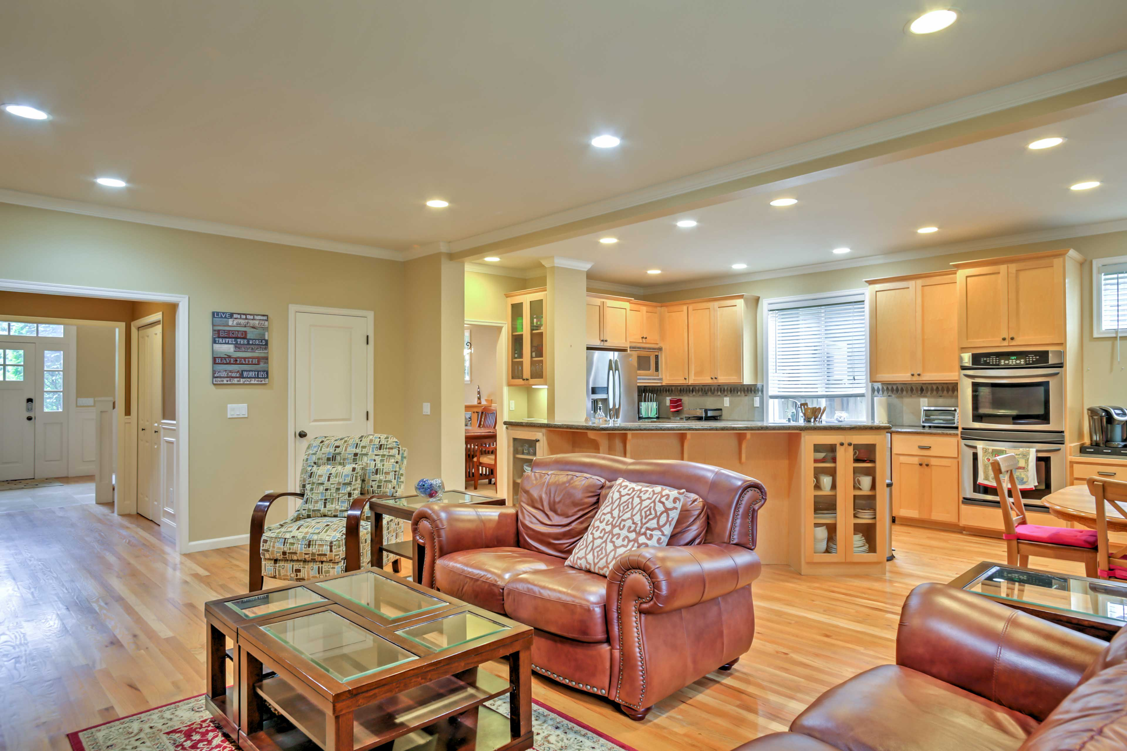 This Kirkland house will quickly become your favorite home-away-from-home.