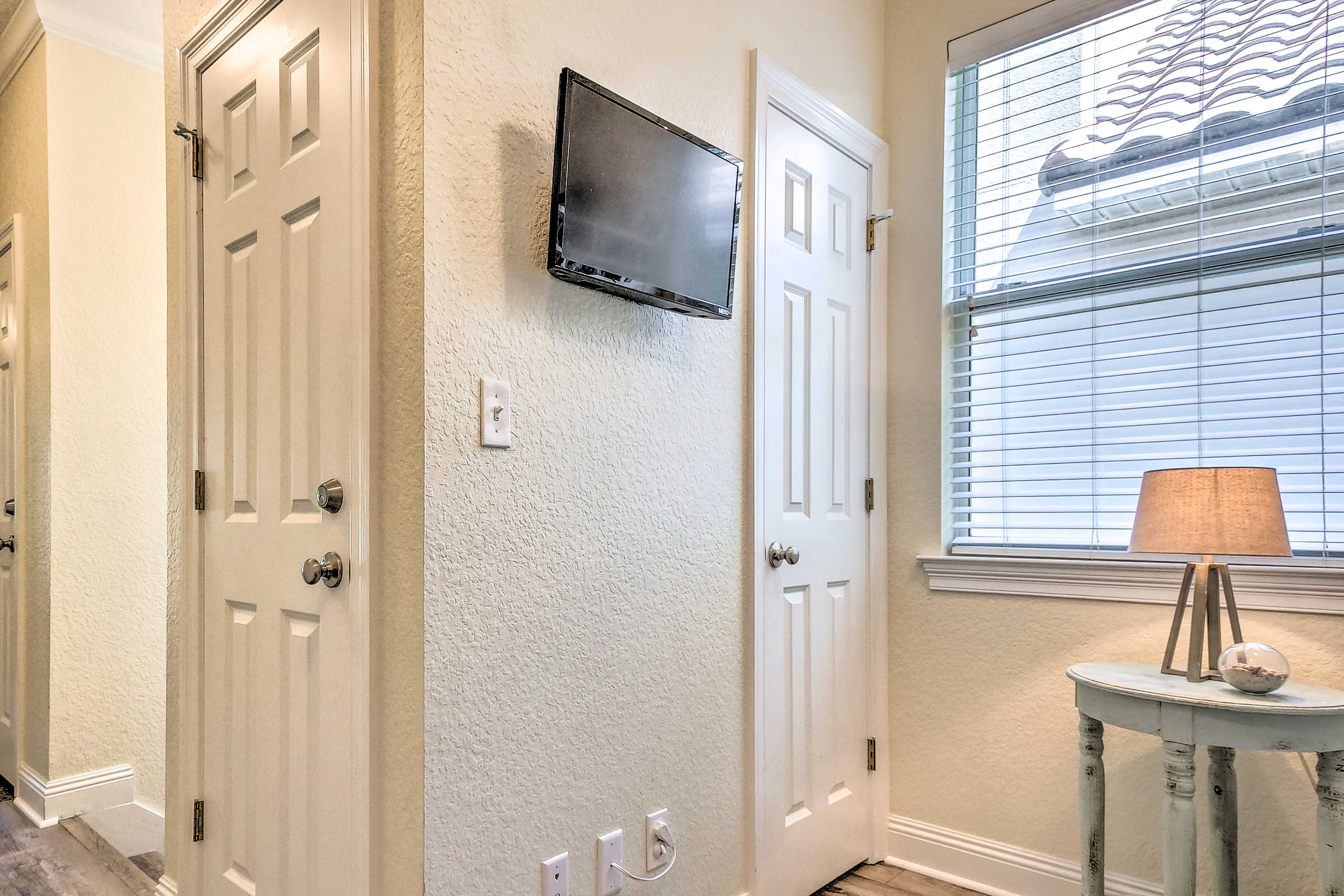 The cozy nook features its own flat-screen TV.