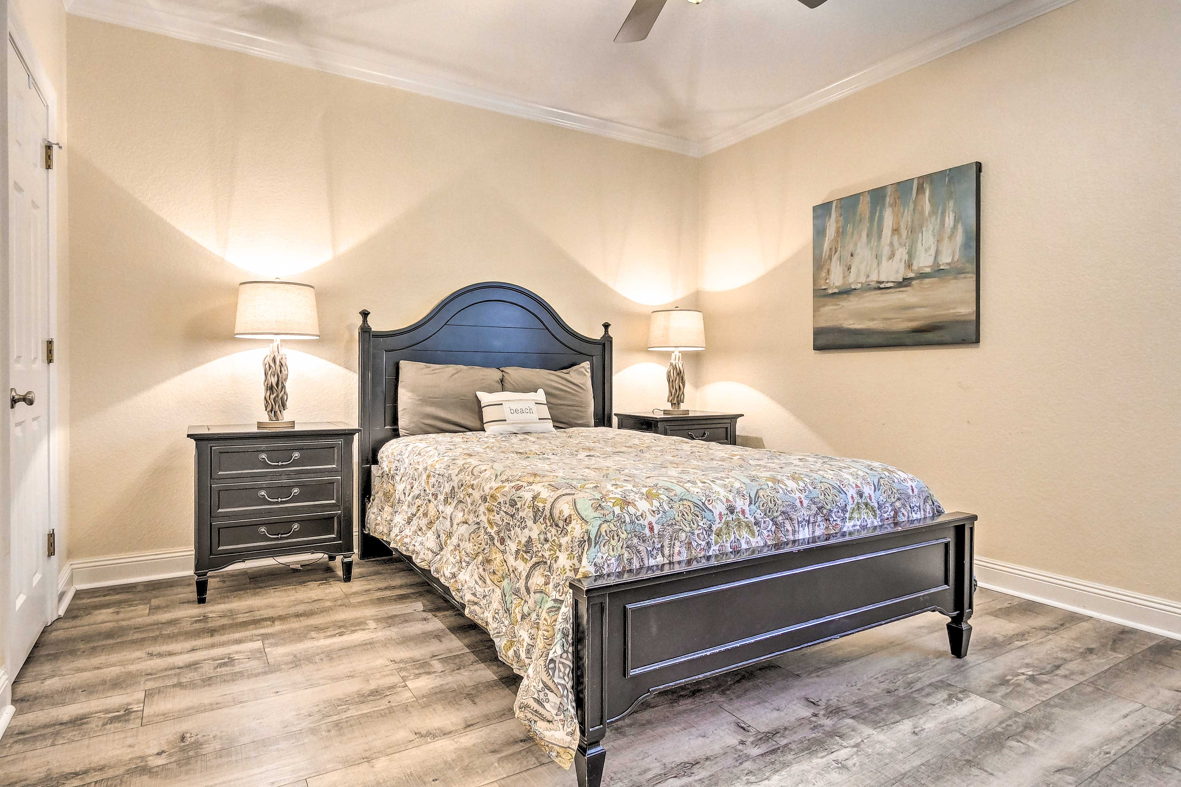 Rest easy in this comfortable queen bed on the first floor.