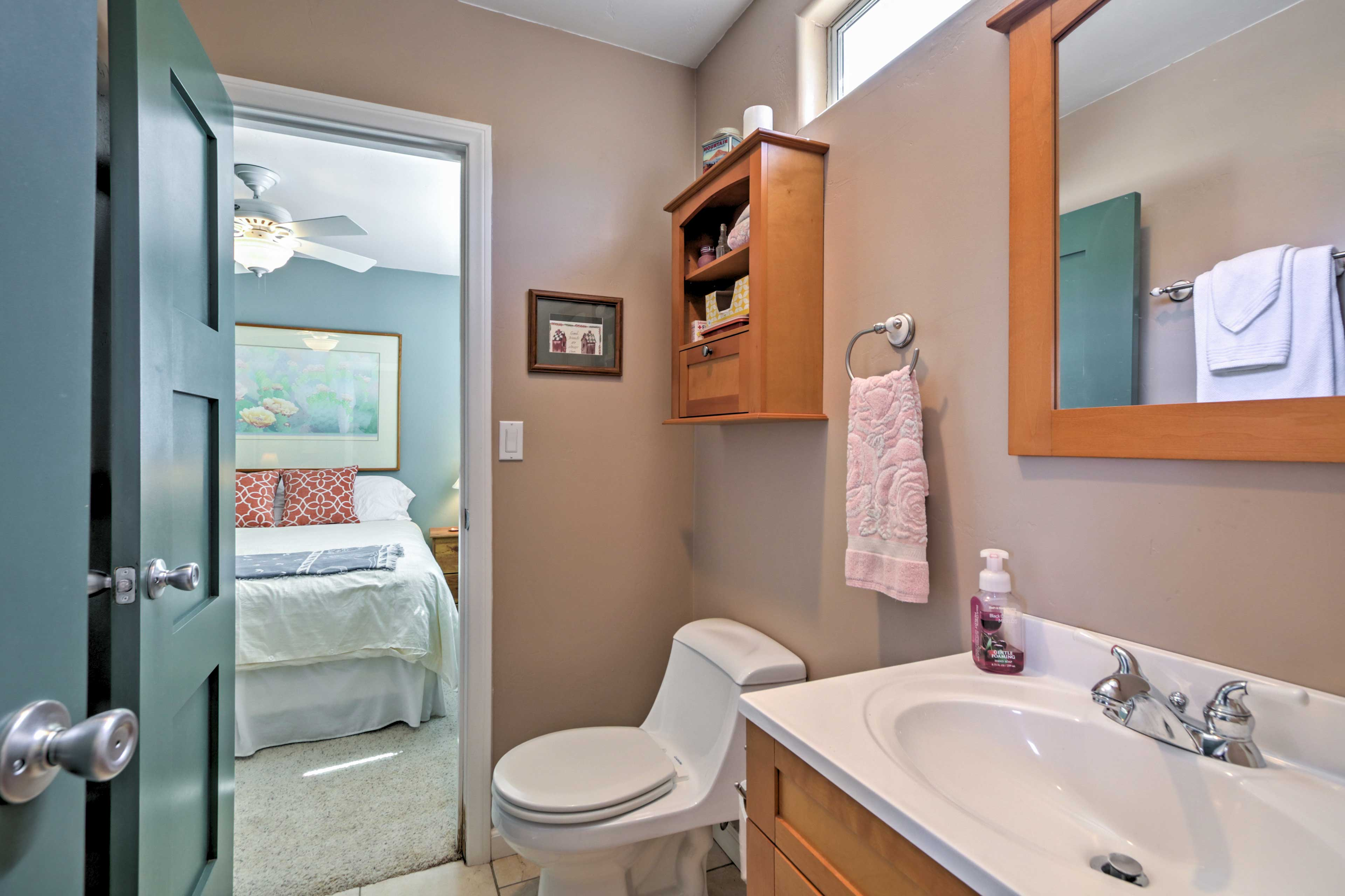 The en suite bathroom makes it easy to freshen up in the mornings.