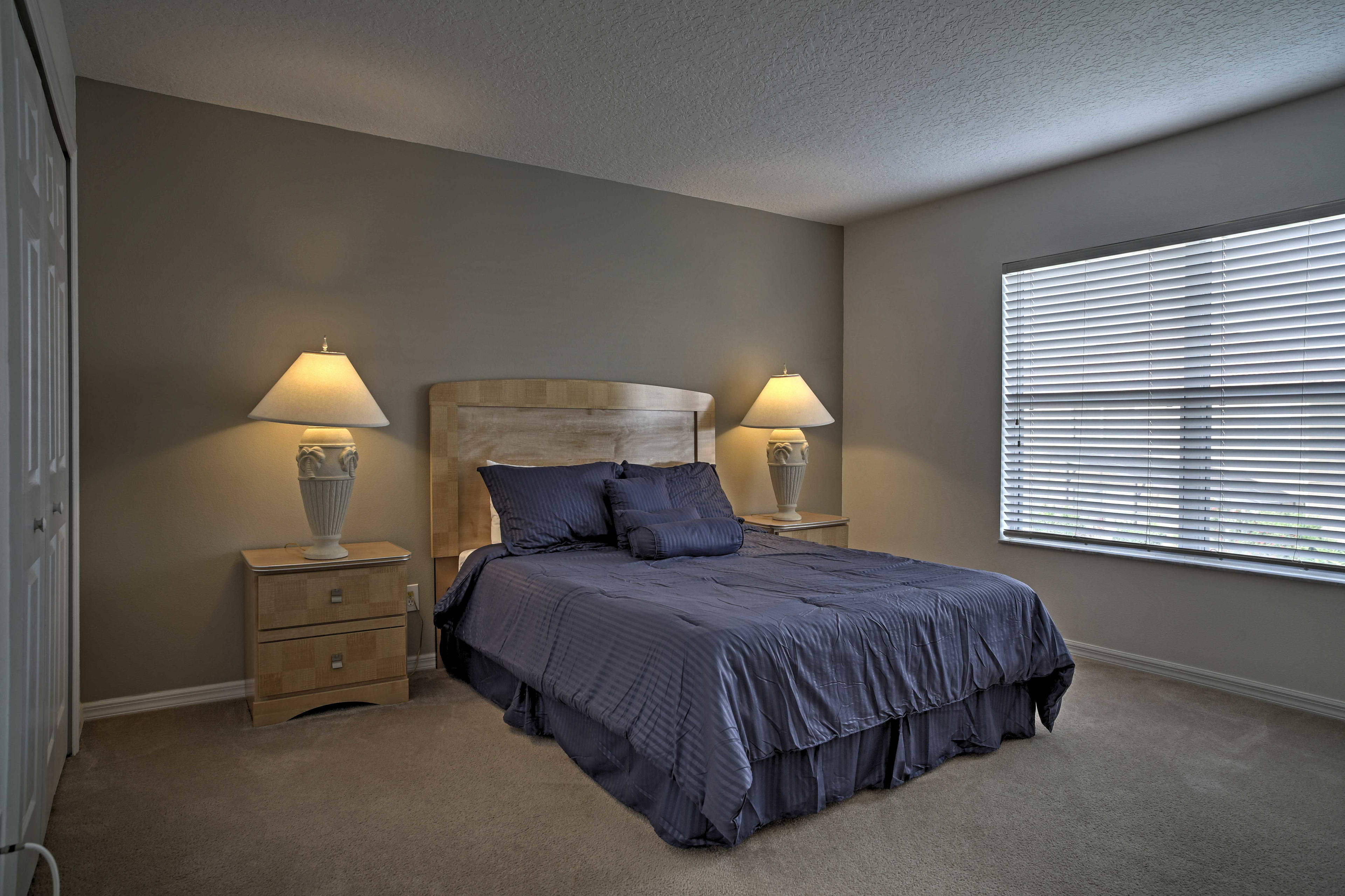 Lay back on this comfy queen bed.
