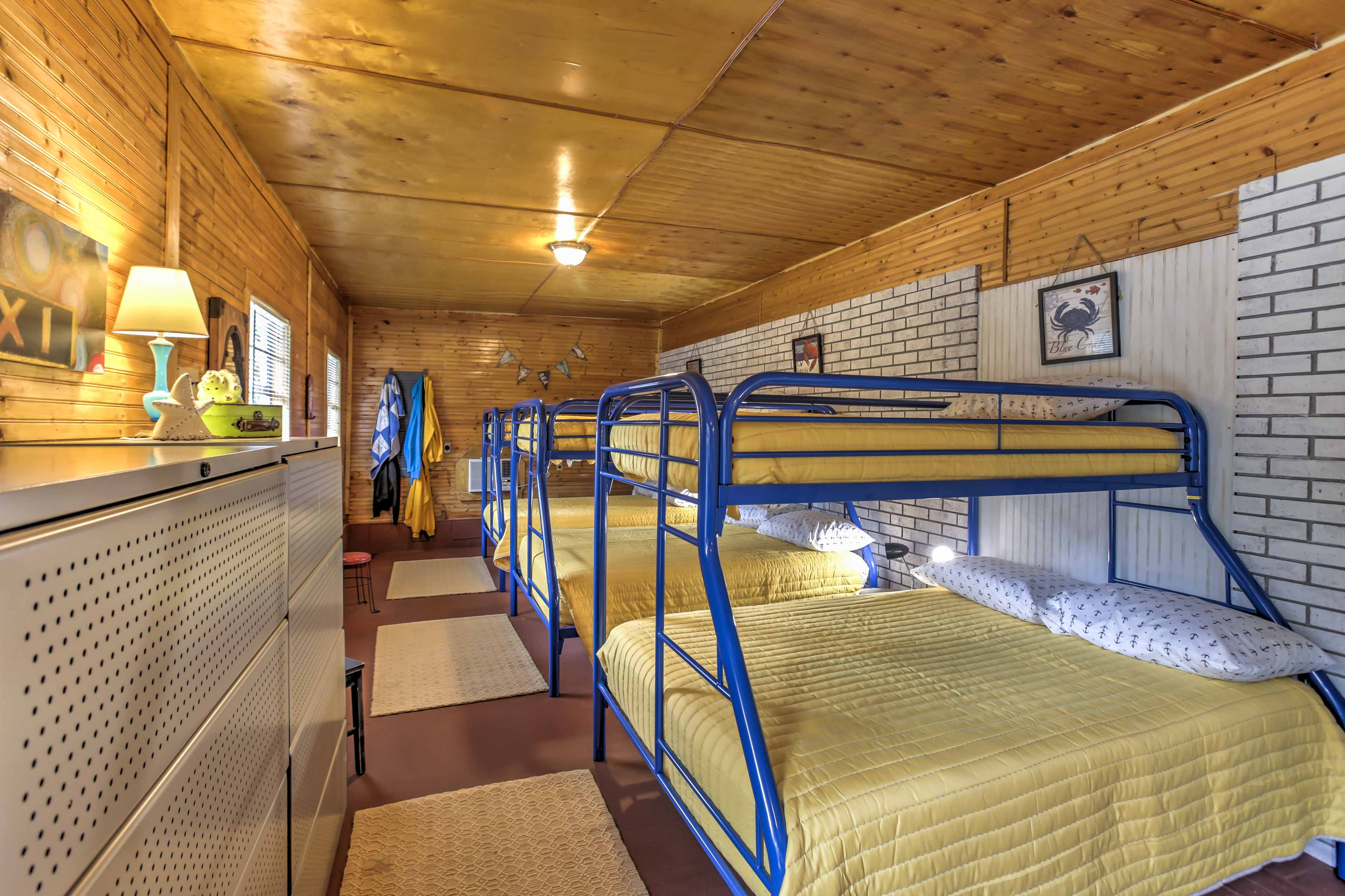 The fourth bedroom features 3 twin-over-full bunk beds.