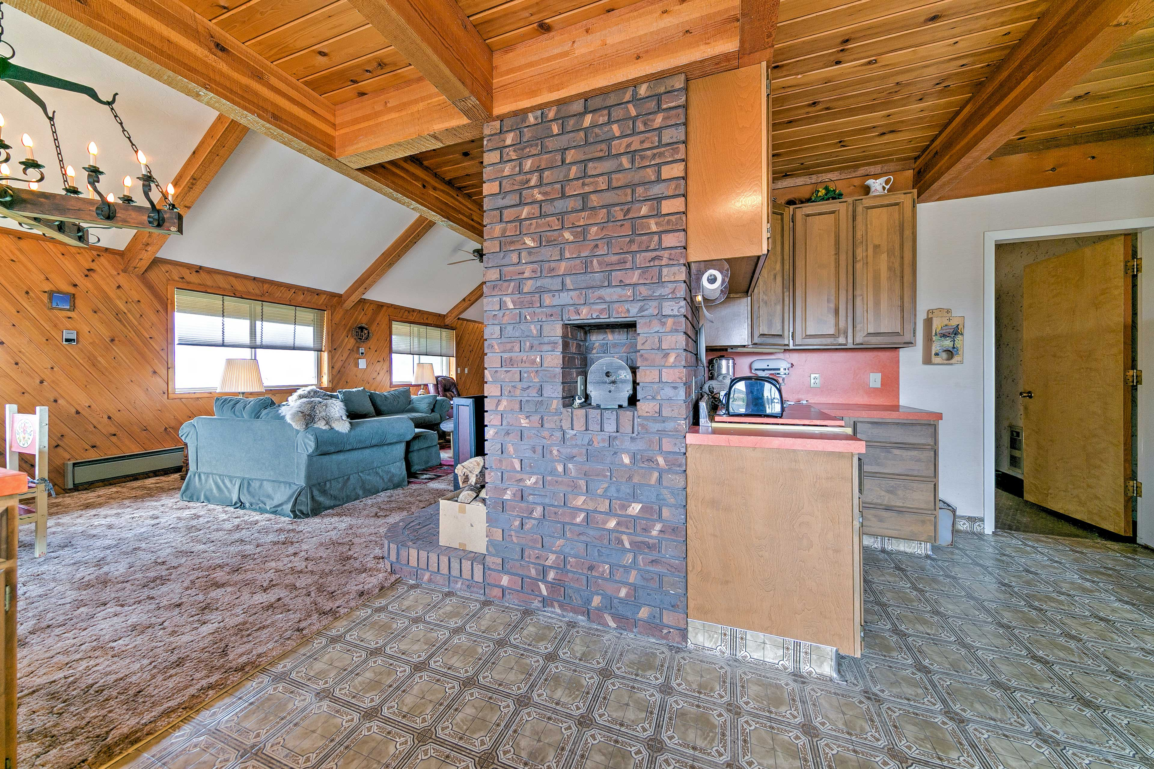 The open floor plan is great for entertaining and hosts up to 9 guests!