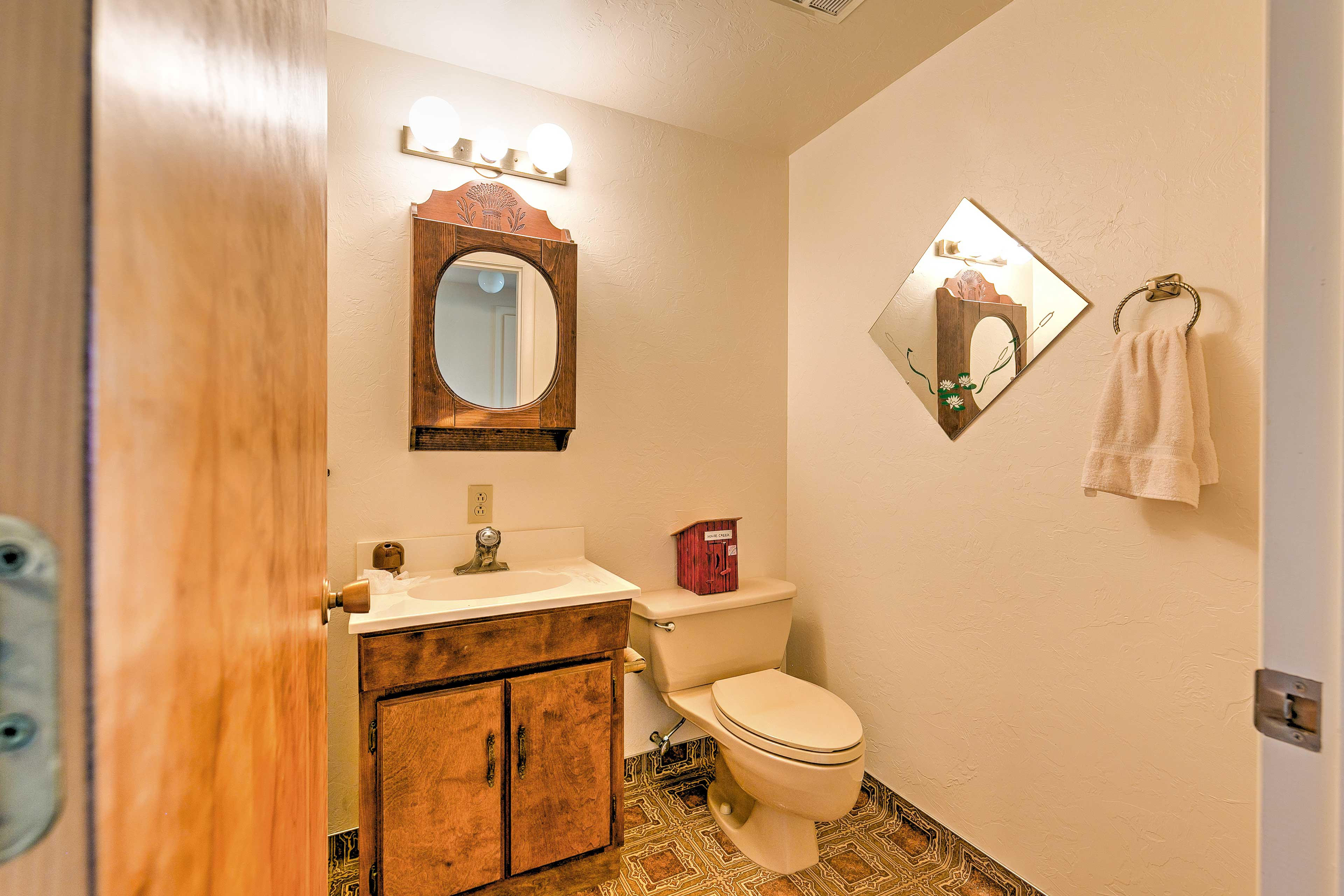 This home is equipped with 2.5 pristine bathrooms.
