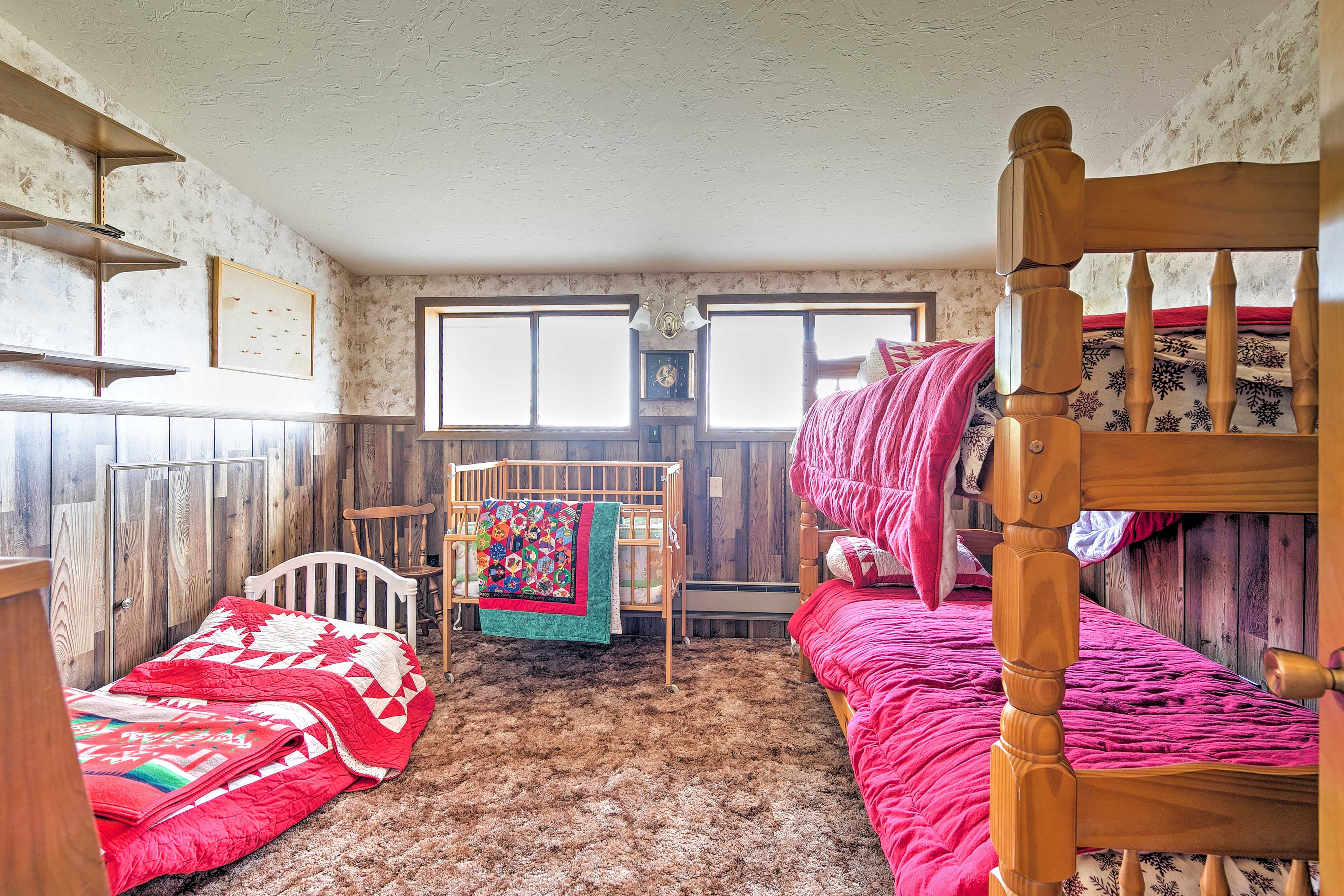 This home has a total of 5 plush  twin-sized beds.