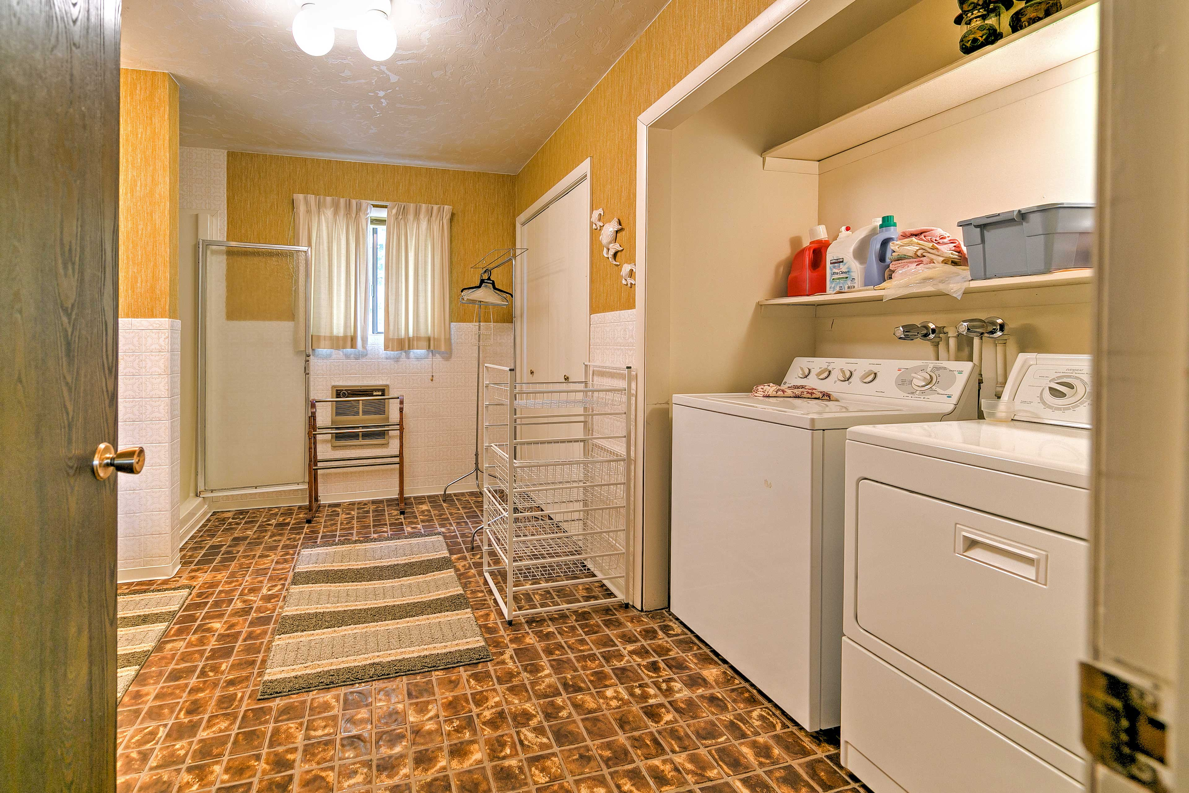 In-unit laundry machines are available to you.
