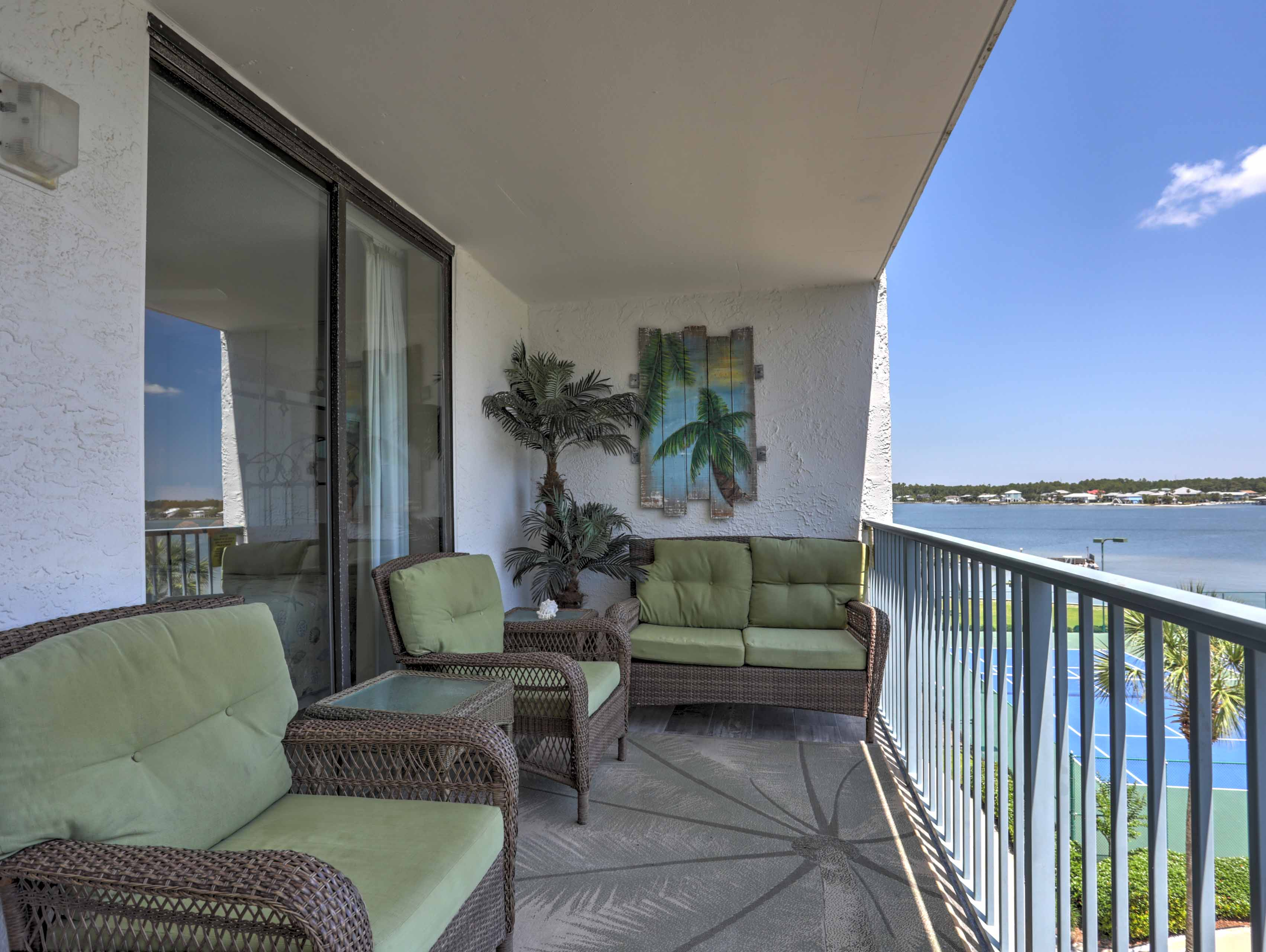 Balcony | Lounge Area