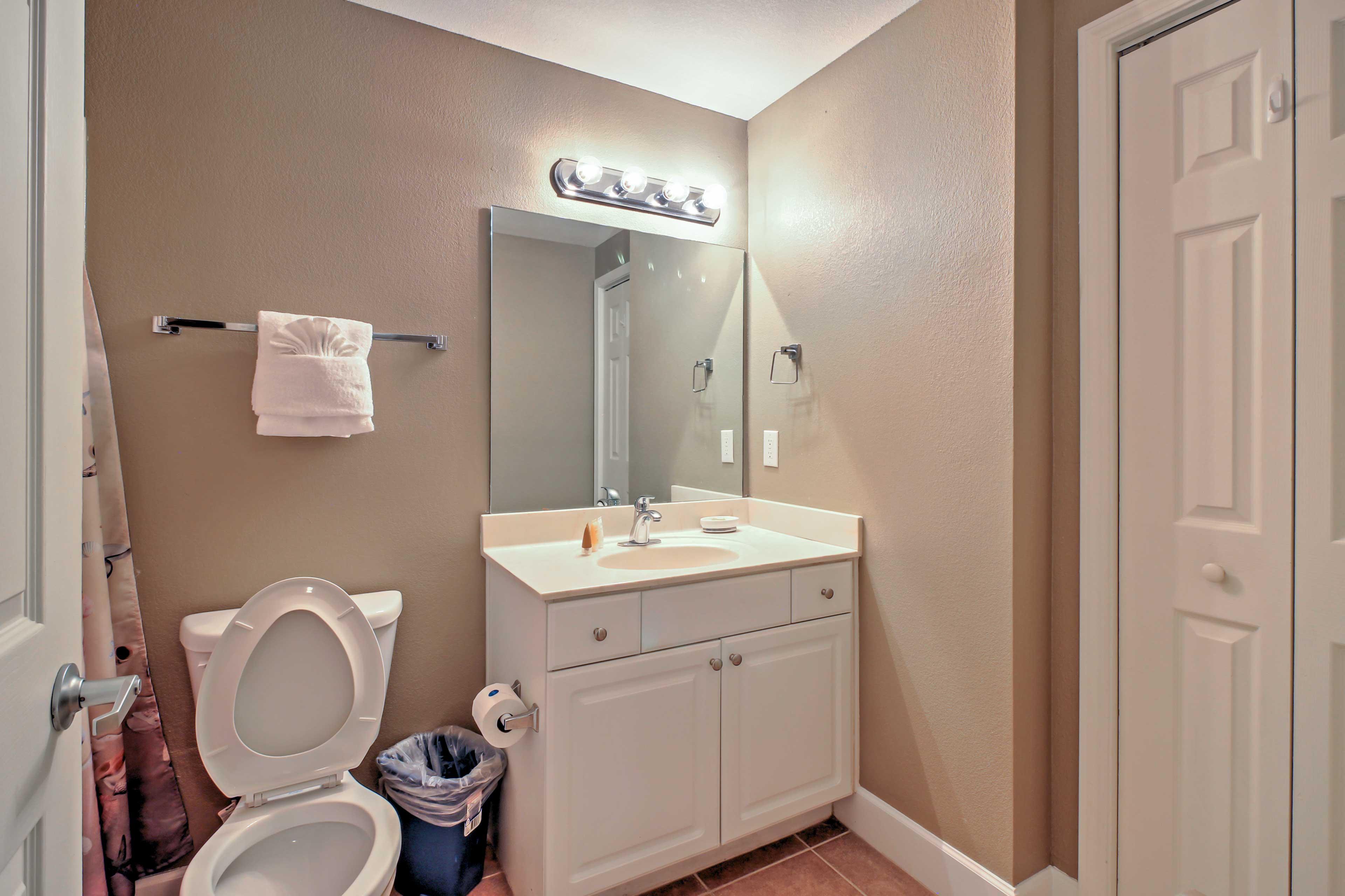 The second bedroom also has an en suite bathroom.