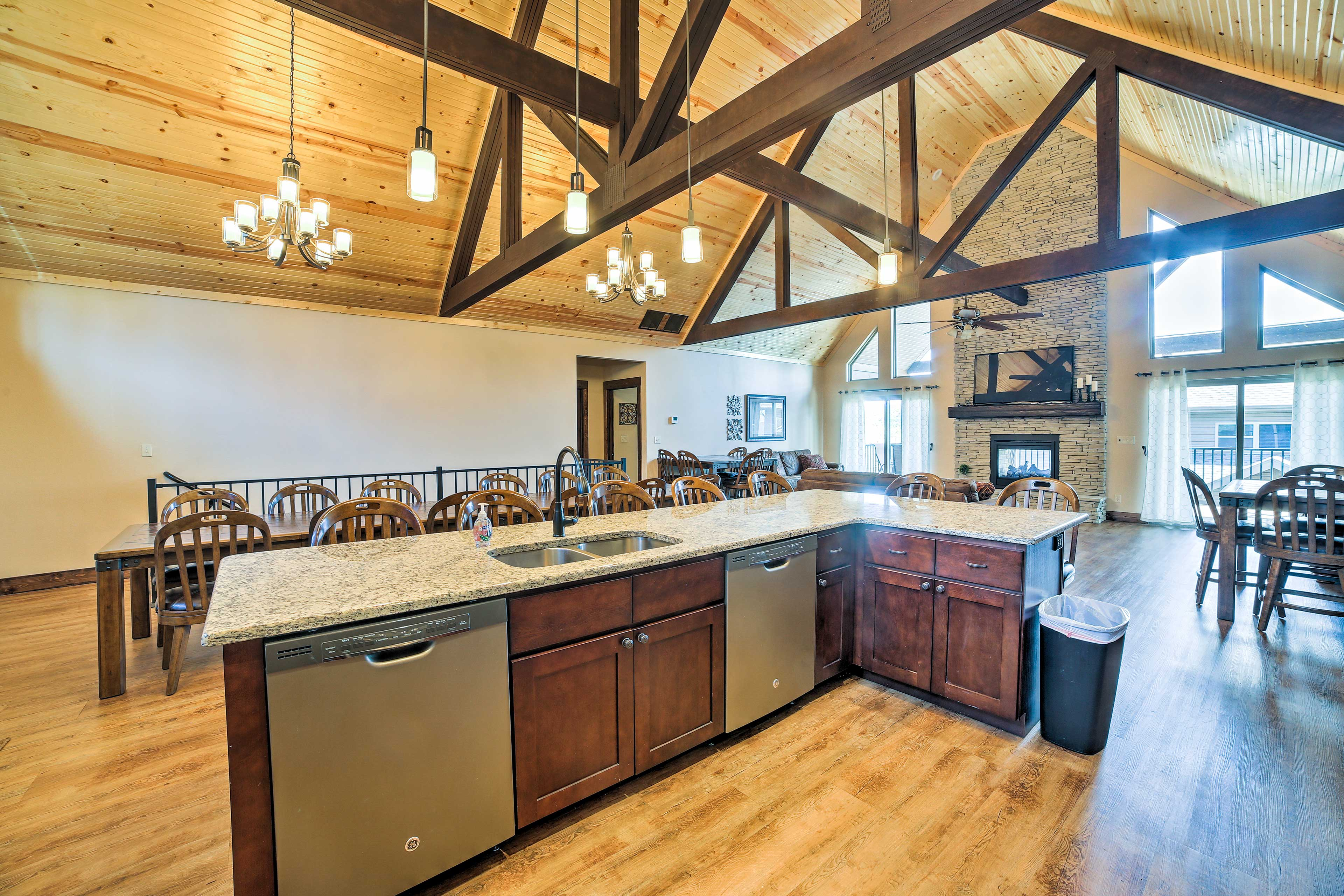 Whip up home-cooked cuisine in this state of the art kitchen!