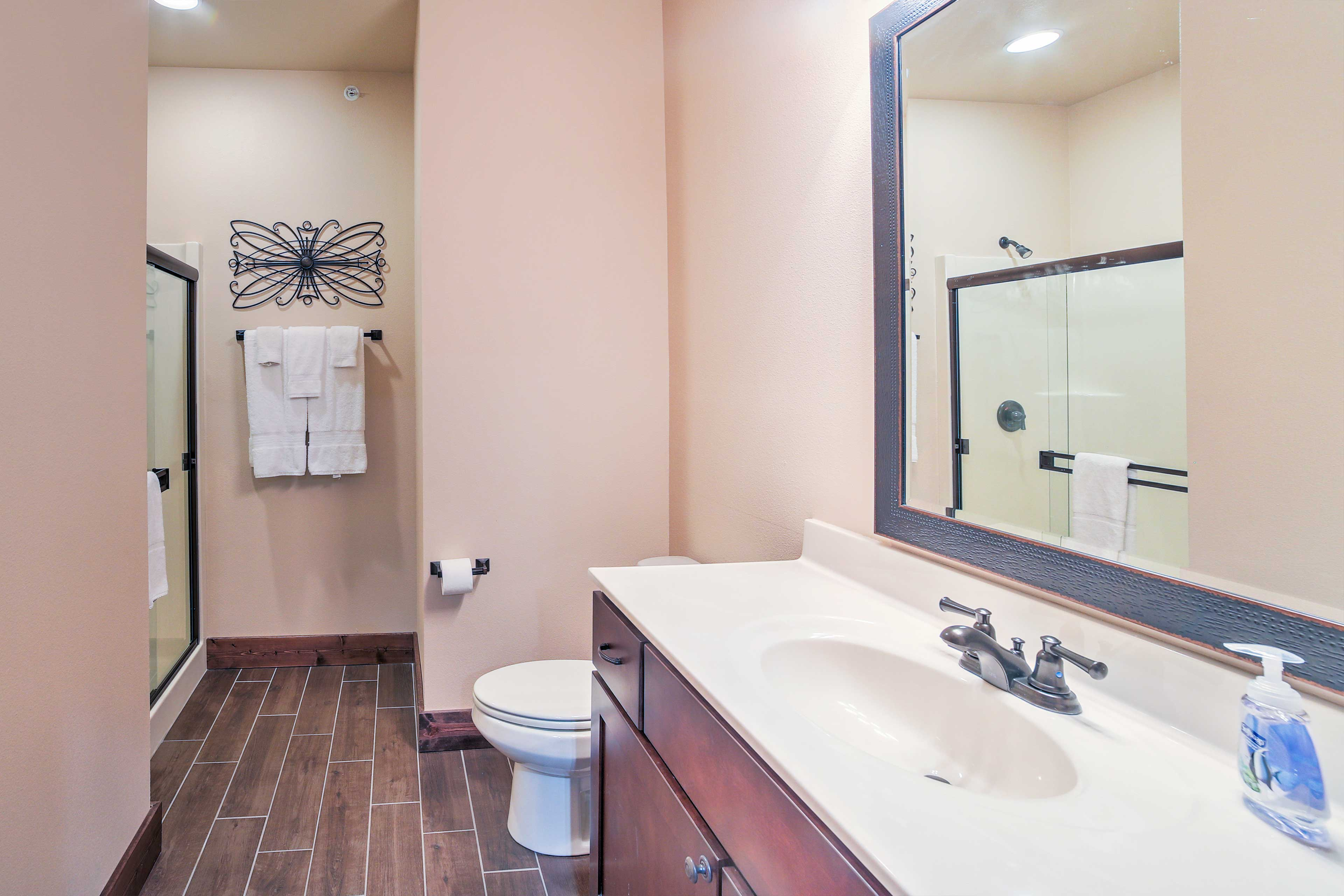 In the morning, start your day fresh in this full bathroom with a shower/tub combo!