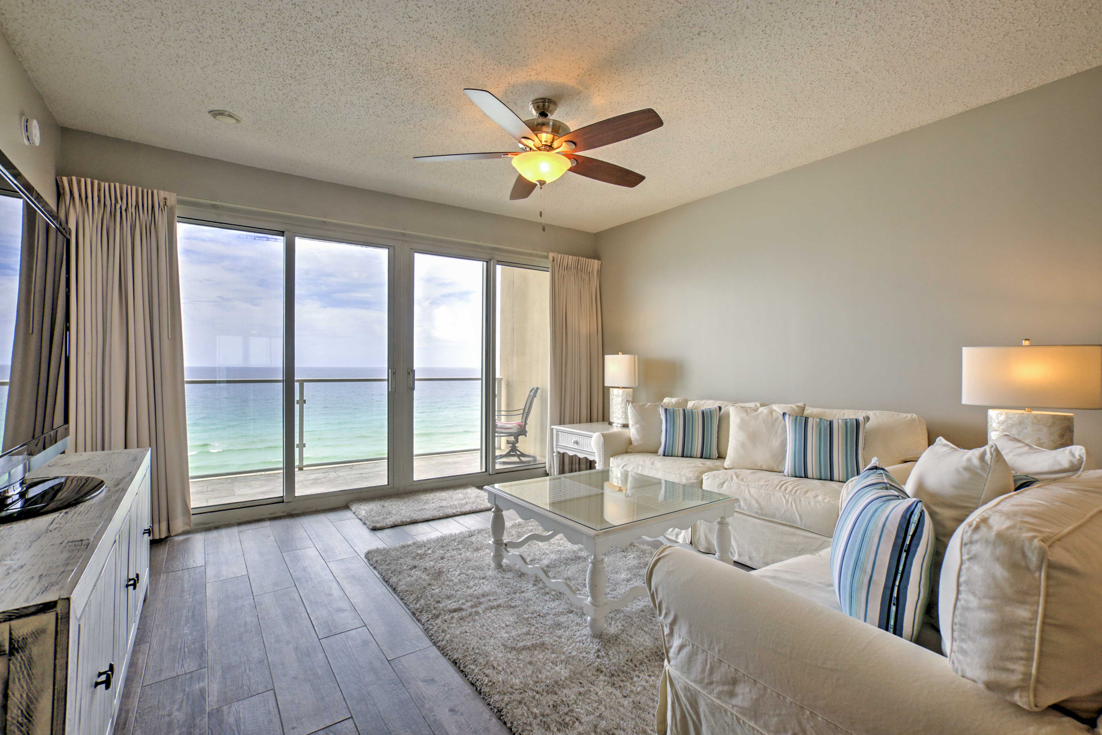 Bask in the gorgeous ocean views from this 2-bed, 2-bath vacation rental condo.